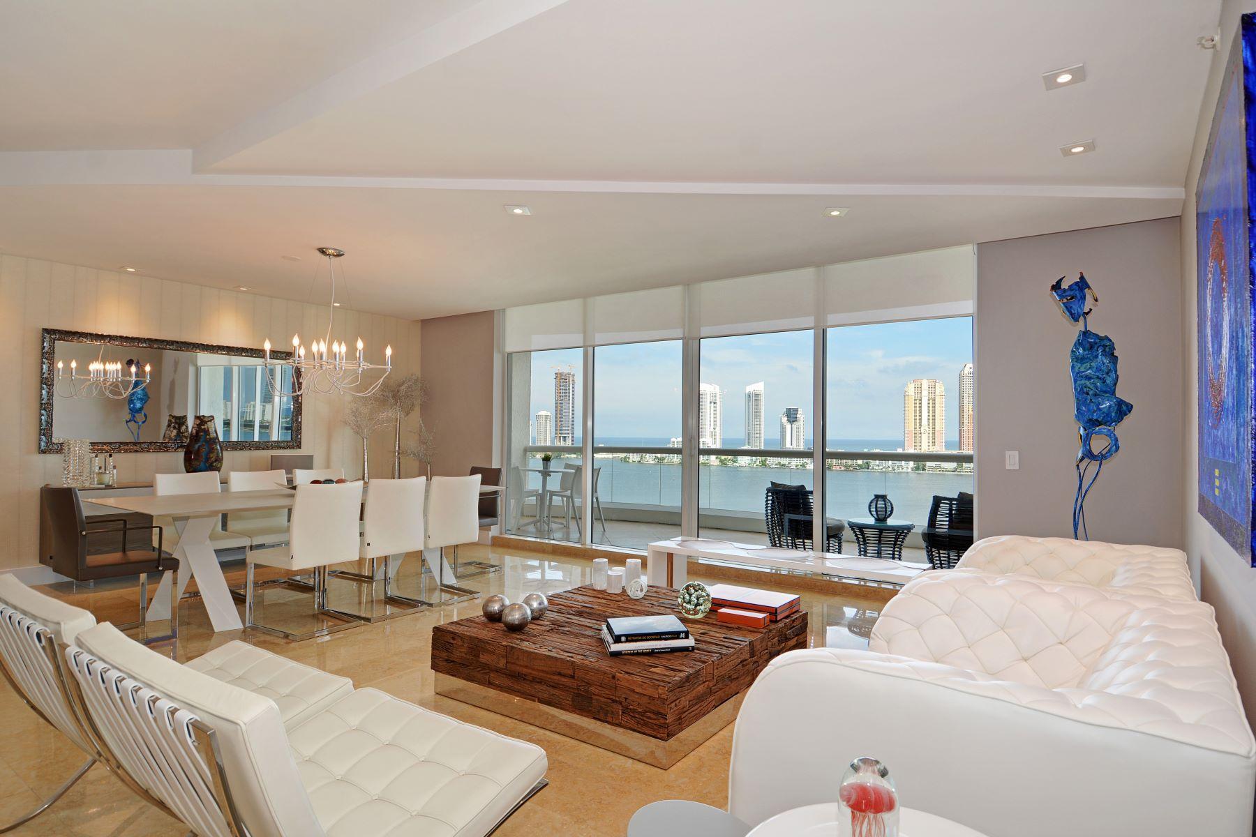 Condominio por un Venta en 6000 Island Bl #1607 6000 Island Bl 1607 Aventura, Florida 33160 Estados Unidos