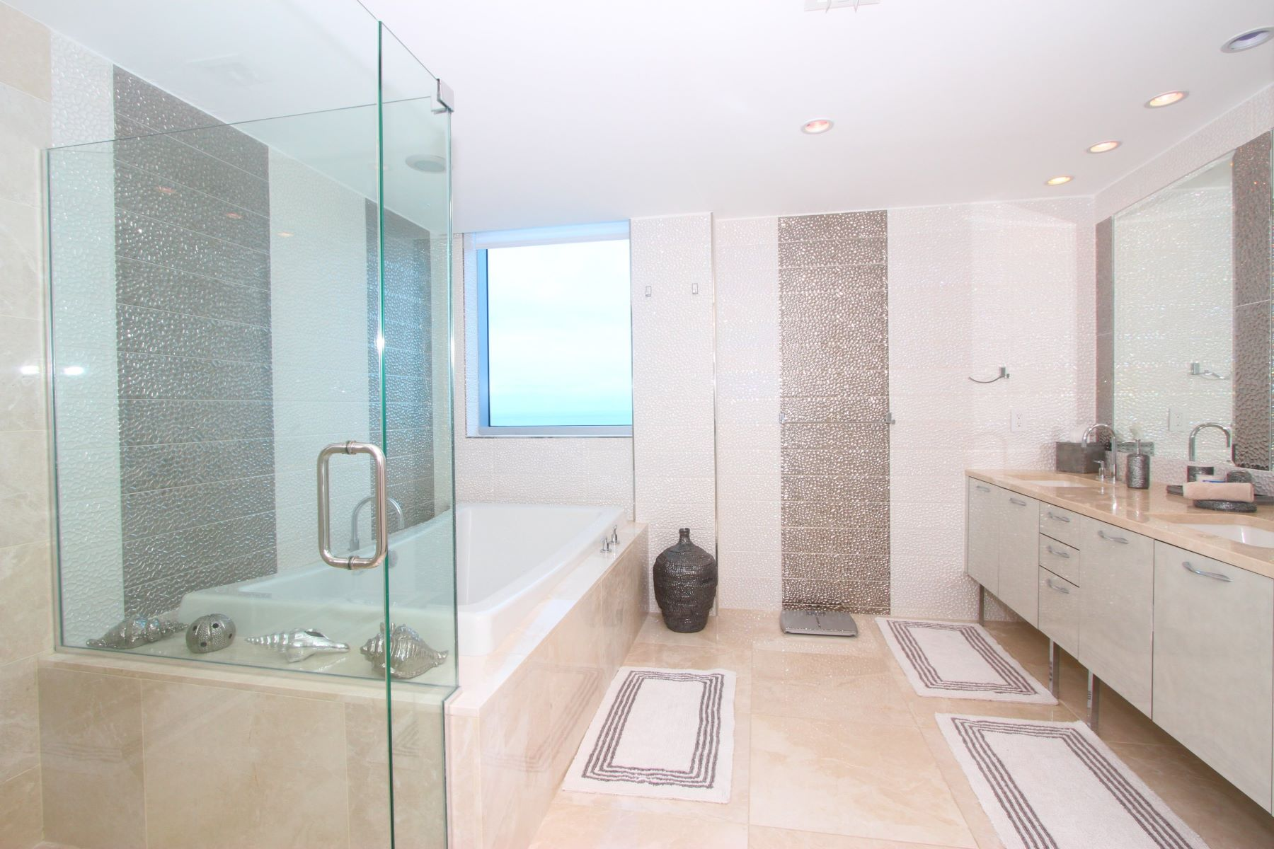Additional photo for property listing at Sunny Isles Beach Residential Rental  阳光岛海岸, 佛罗里达州 33160 美国