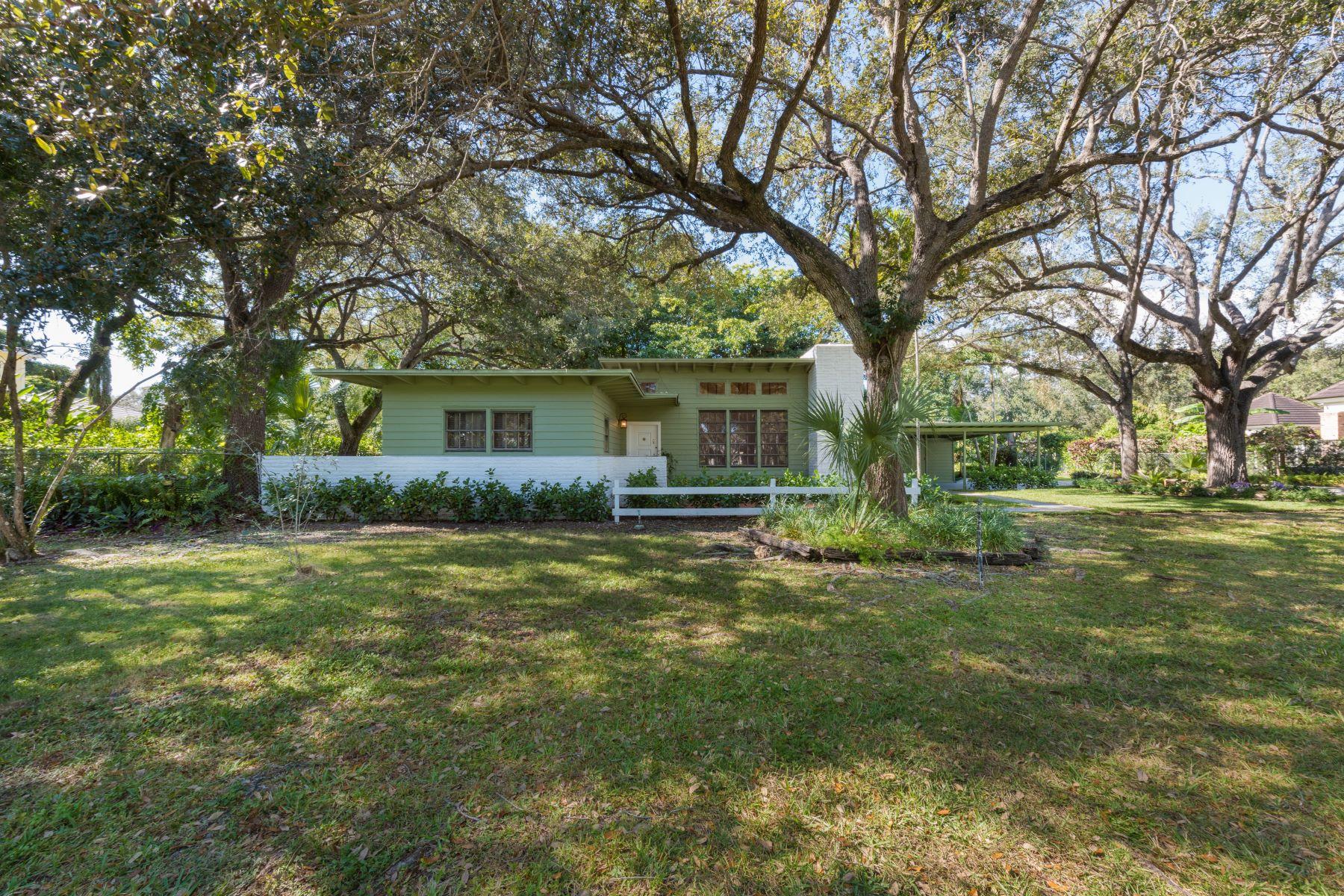 独户住宅 为 销售 在 9500 Sw 61st Ct 派恩克雷斯特, 佛罗里达州, 33156 美国