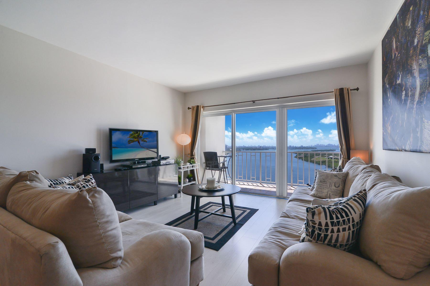 共管式独立产权公寓 为 出租 在 300 Bayview Dr 300 Bayview Dr 2114 阳光岛海岸, 佛罗里达州 33160 美国