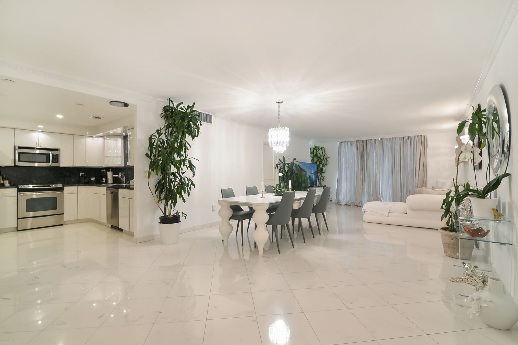 Condominium for Rent at 9801 Collins Ave #8T 9801 Collins Ave 8T Bal Harbour, Florida 33154 United States