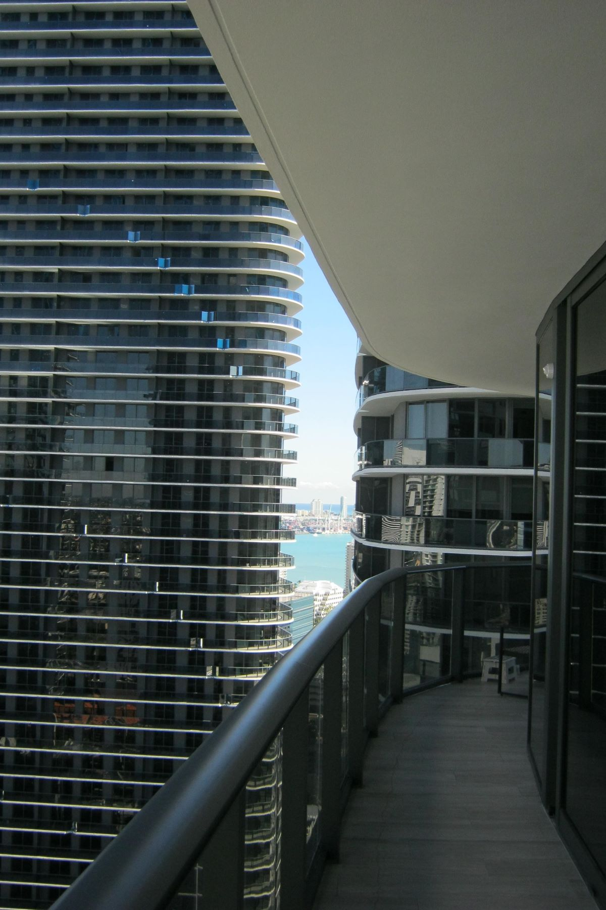 Additional photo for property listing at 55 Sw 9th St 55 Sw 9th St 3201 Miami, Florida 33130 Estados Unidos
