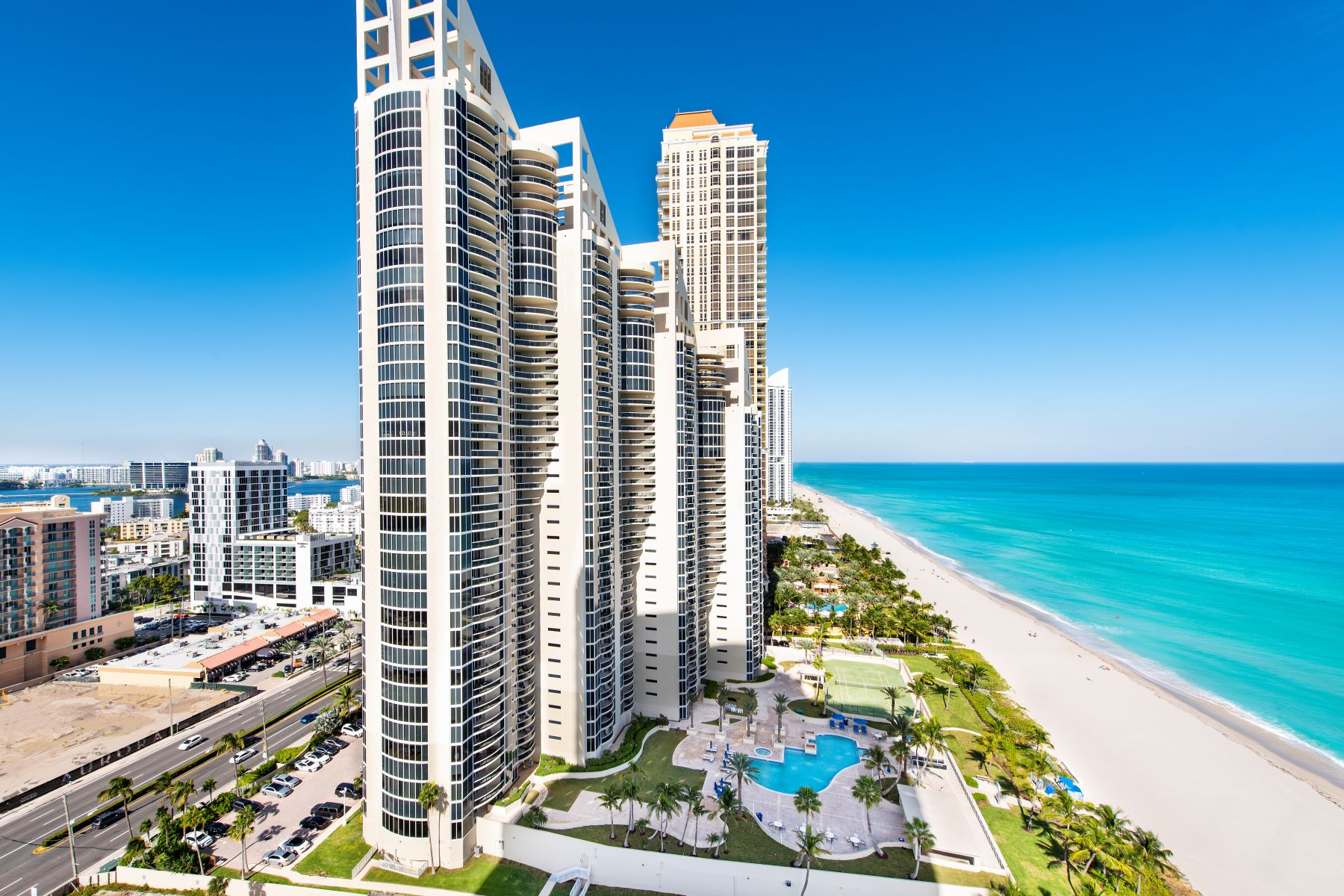 Condominiums for Sale at 17555 Collins Ave #Ts-5 & 6 17555 Collins Ave TS-5 & 6 Sunny Isles Beach, Florida 33160 United States