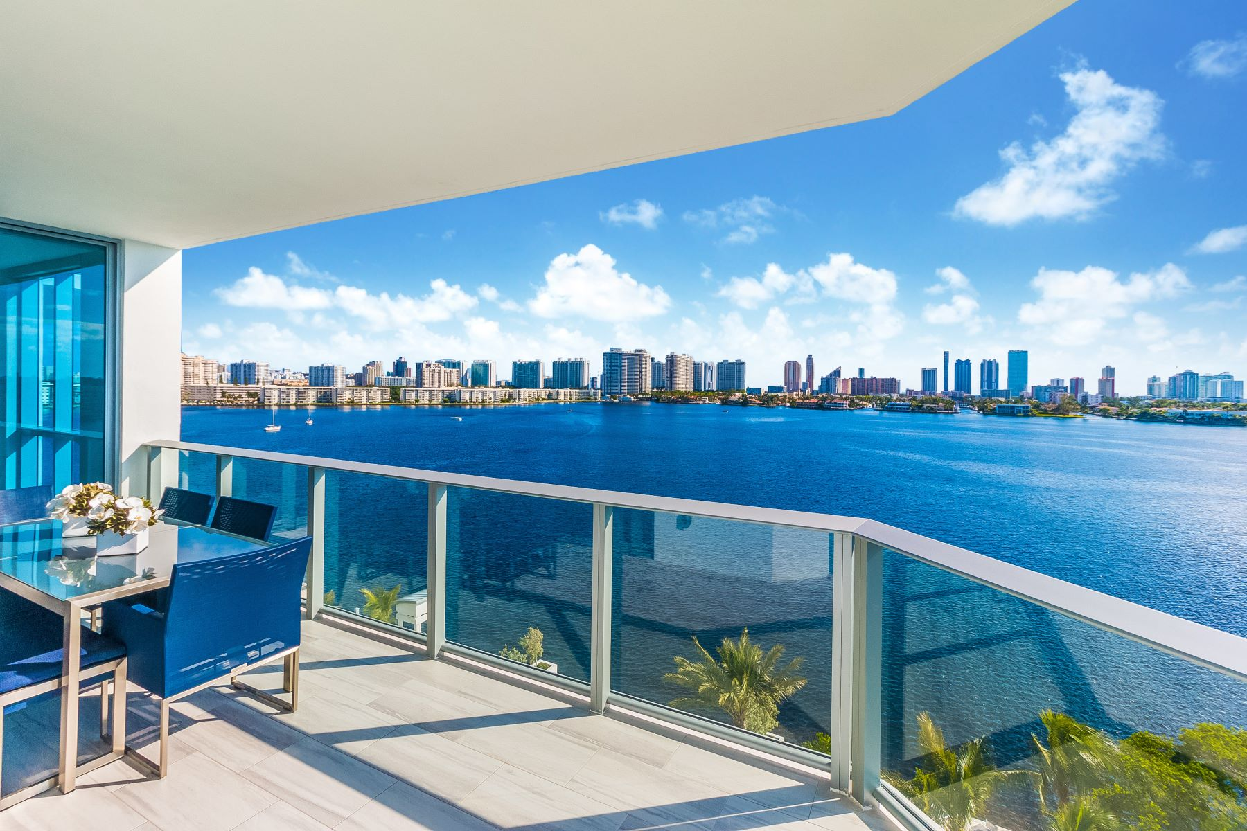 Condominiums for Sale at 17111 Biscayne Blvd #710 17111 Biscayne Blvd 710, Aventura, Florida 33160 United States
