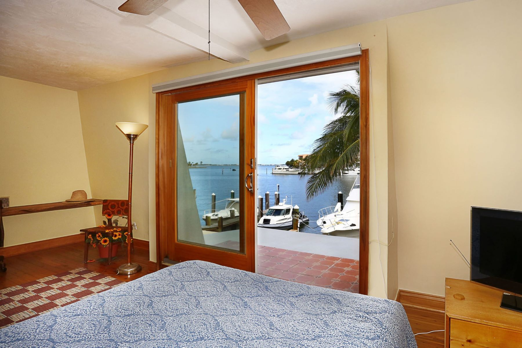 واحد منزل الأسرة للـ Sale في 1788 S Bayshore Ln 1788 S Bayshore Ln Coconut Grove, Florida 33133 United States