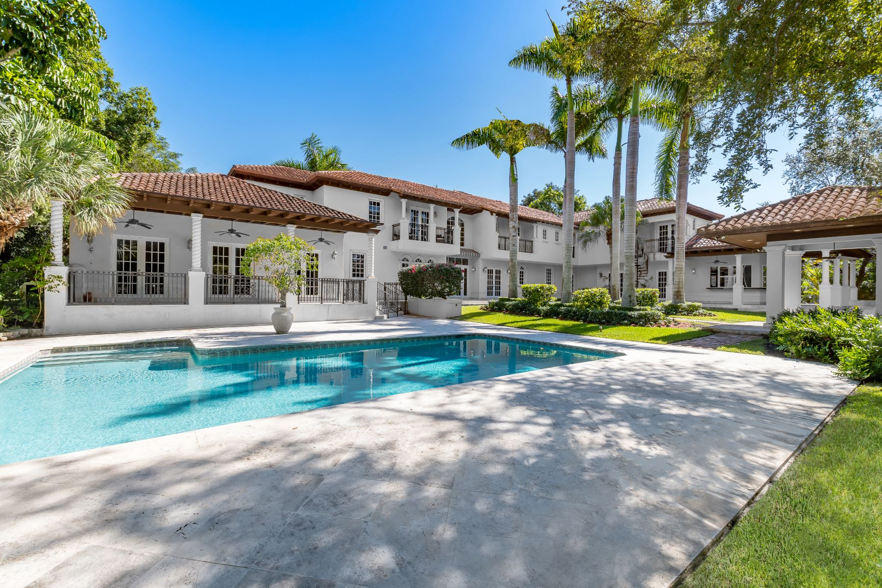 single family homes for Active at 10550 Old Cutler Rd Coral Gables, Florida 33156 United States