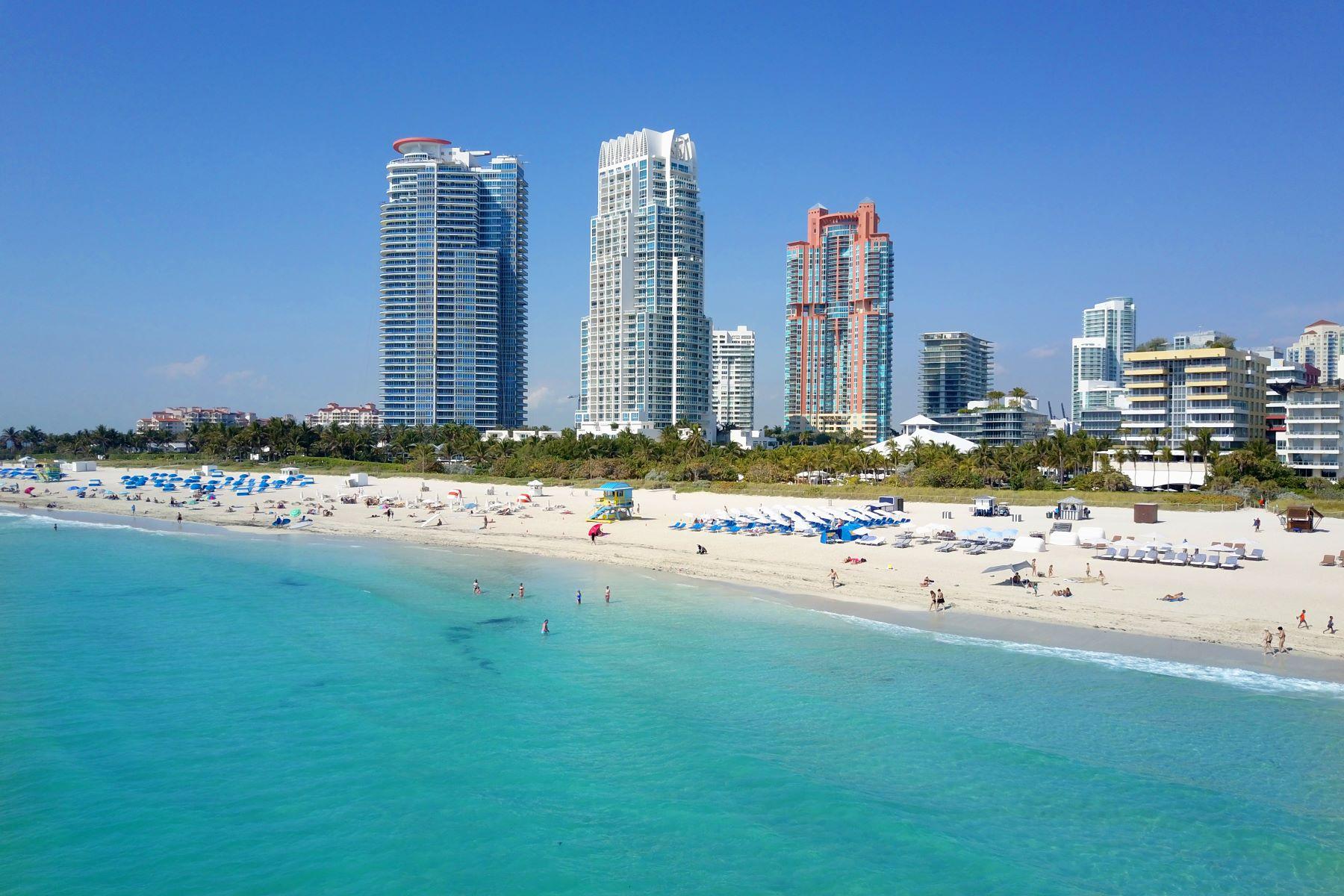 Copropriété pour l Vente à 100 S Pointe Dr #1404 100 SPointe Dr 1404 Miami Beach, Florida, 33139 États-Unis