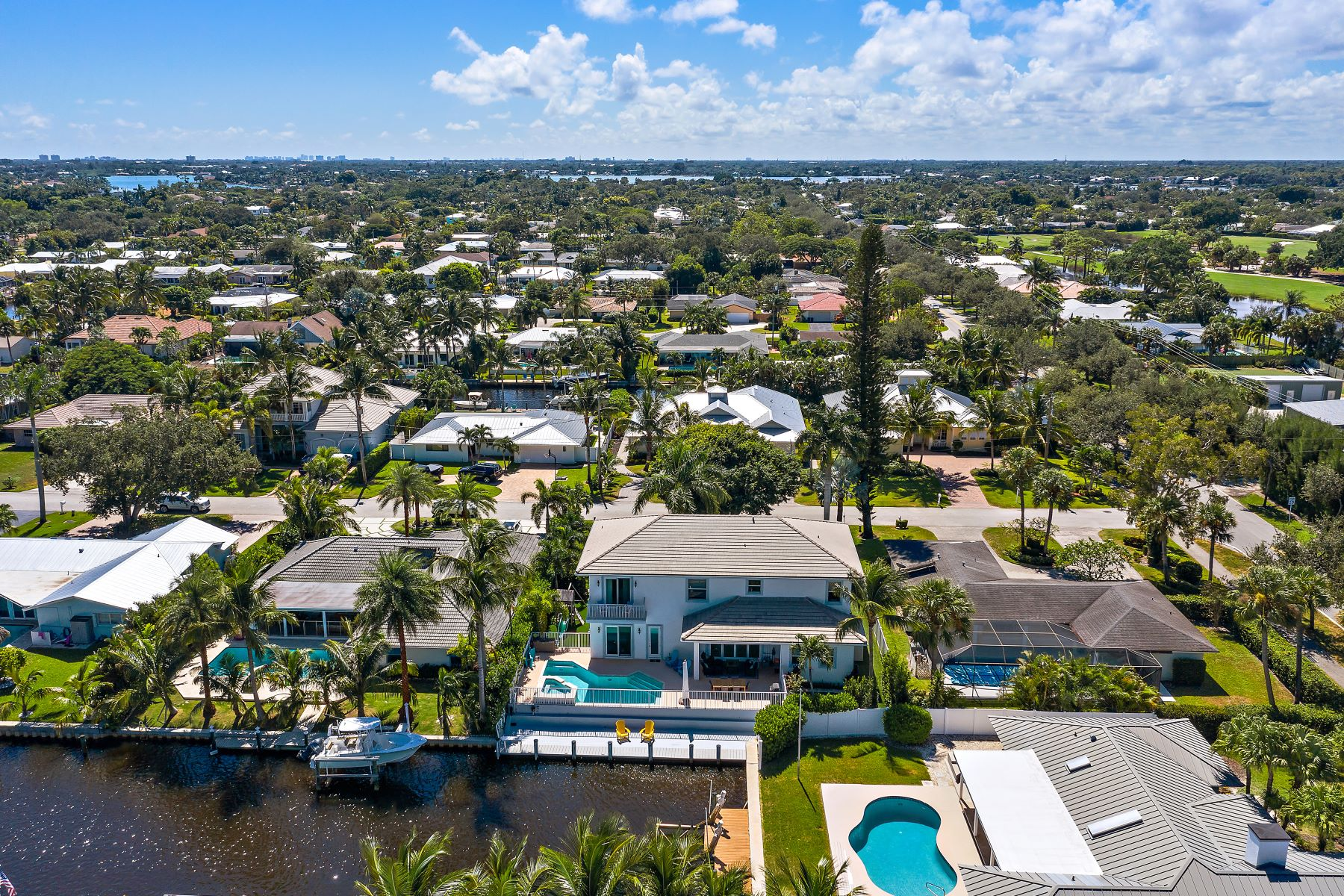 Single Family Homes for Sale at 7 Tradewinds Cir Tequesta, Florida 33469 United States
