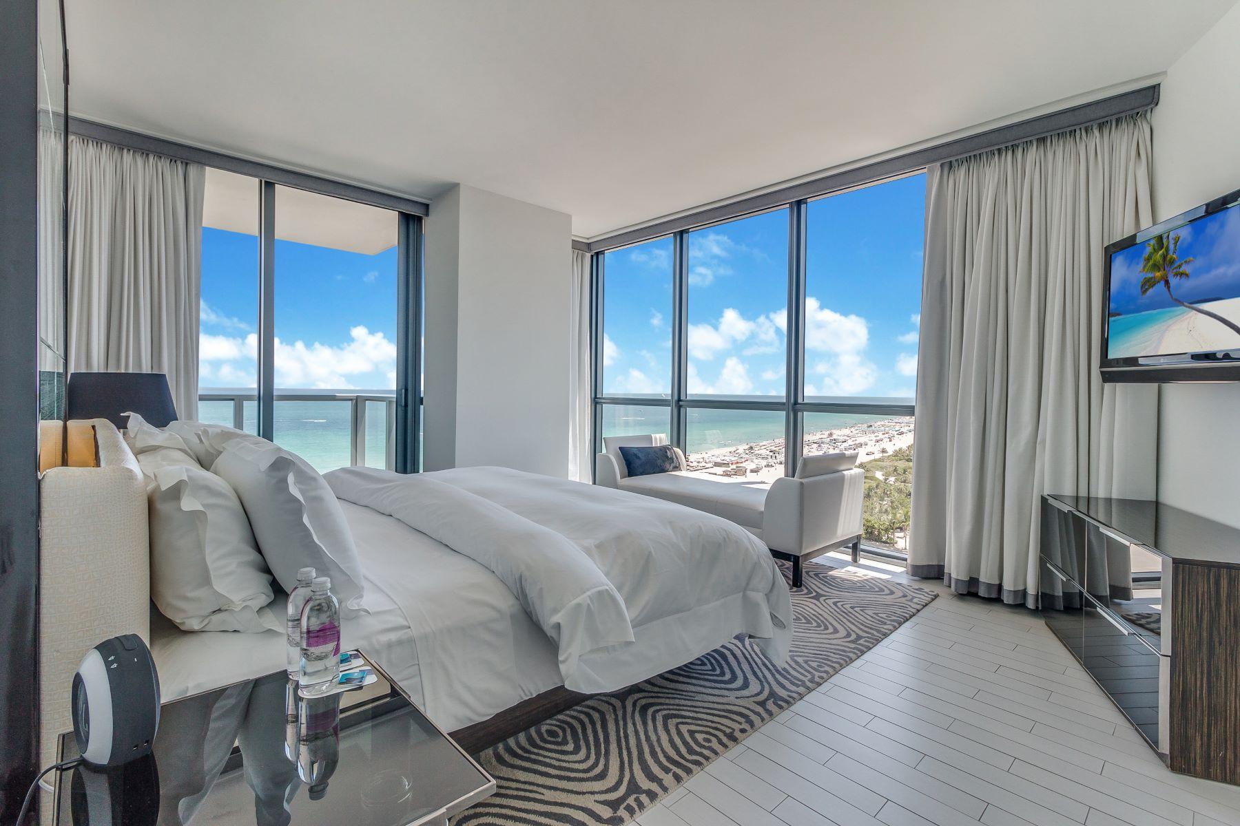 Condomínio para Venda às 2201 Collins Ave 2201 Collins Ave 1428 29 30 Miami Beach, Florida, 33139 Estados Unidos