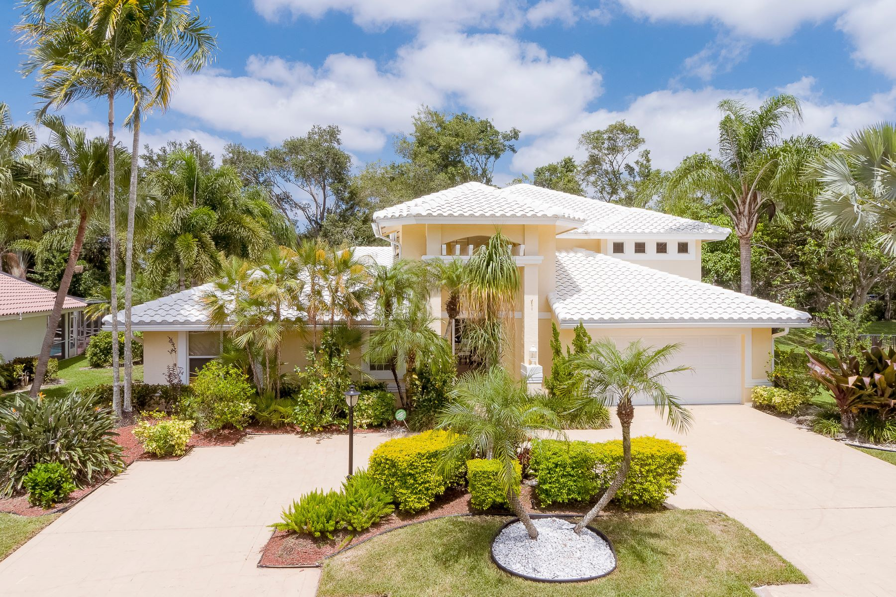 Single Family Homes 為 出售 在 Parkland, 佛羅里達州 33076 美國