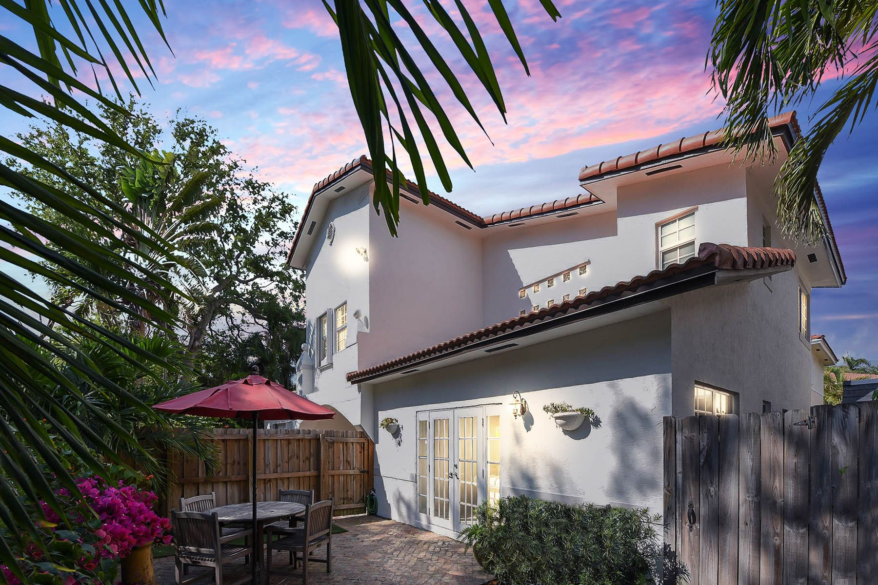 Townhouse for Sale at 3046 IndiAnA Street 3046 IndiAnA Street A Coconut Grove, Florida 33133 United States