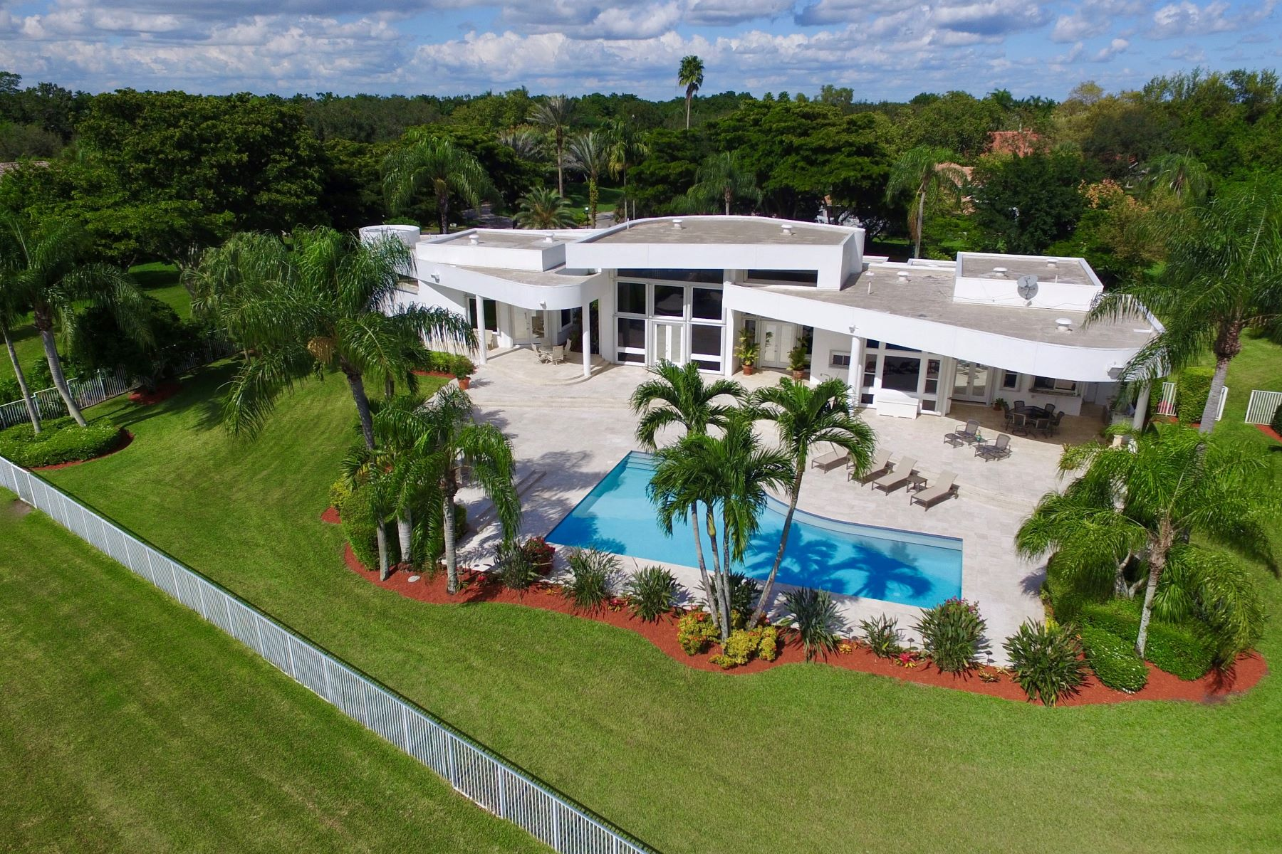 Single Family Homes for Sale at 2895 Luckie Rd Weston, Florida 33331 United States