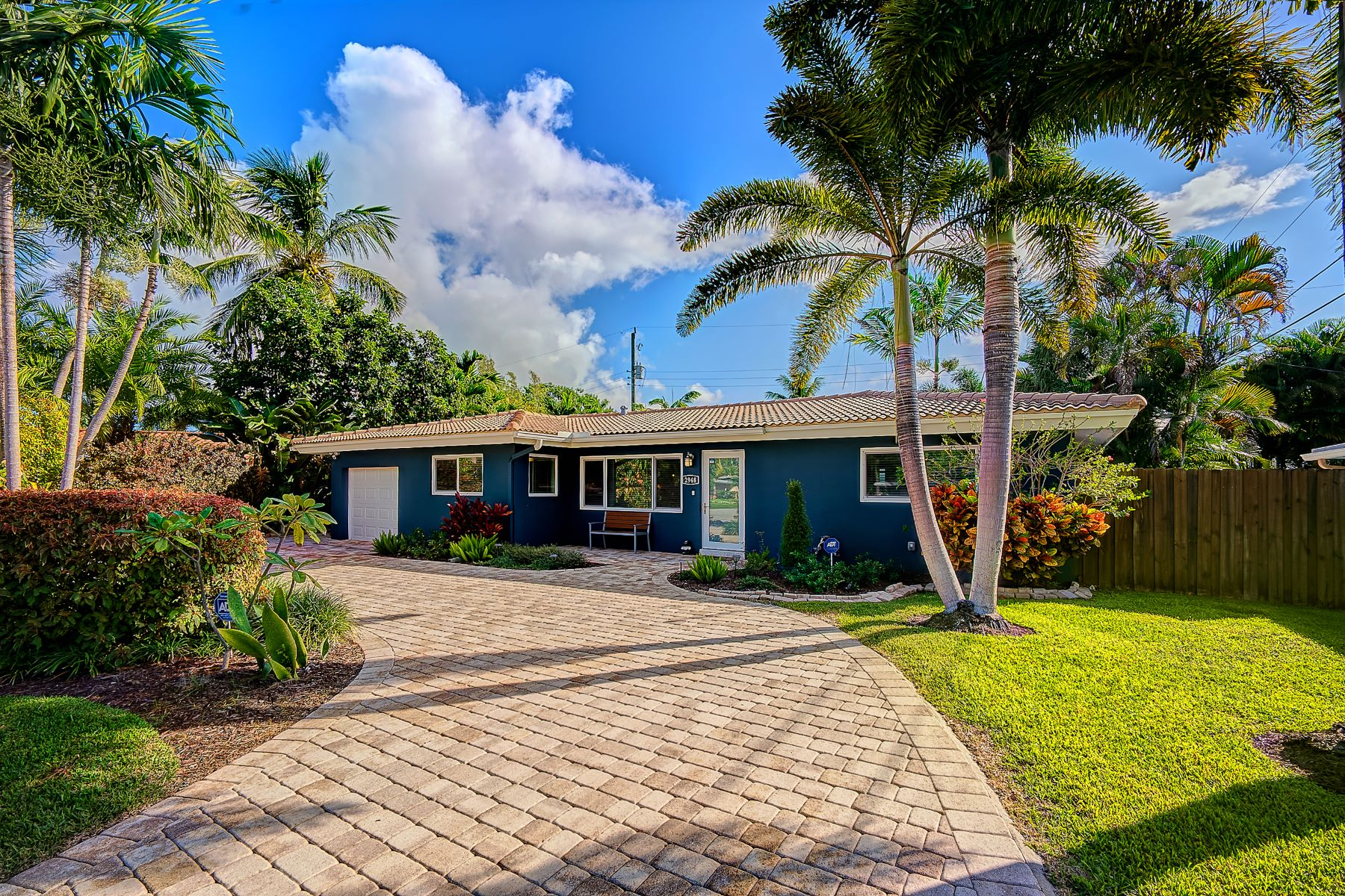 Single Family Homes for Sale at 2948 Nw 6th Ter Wilton Manors, Florida 33311 United States