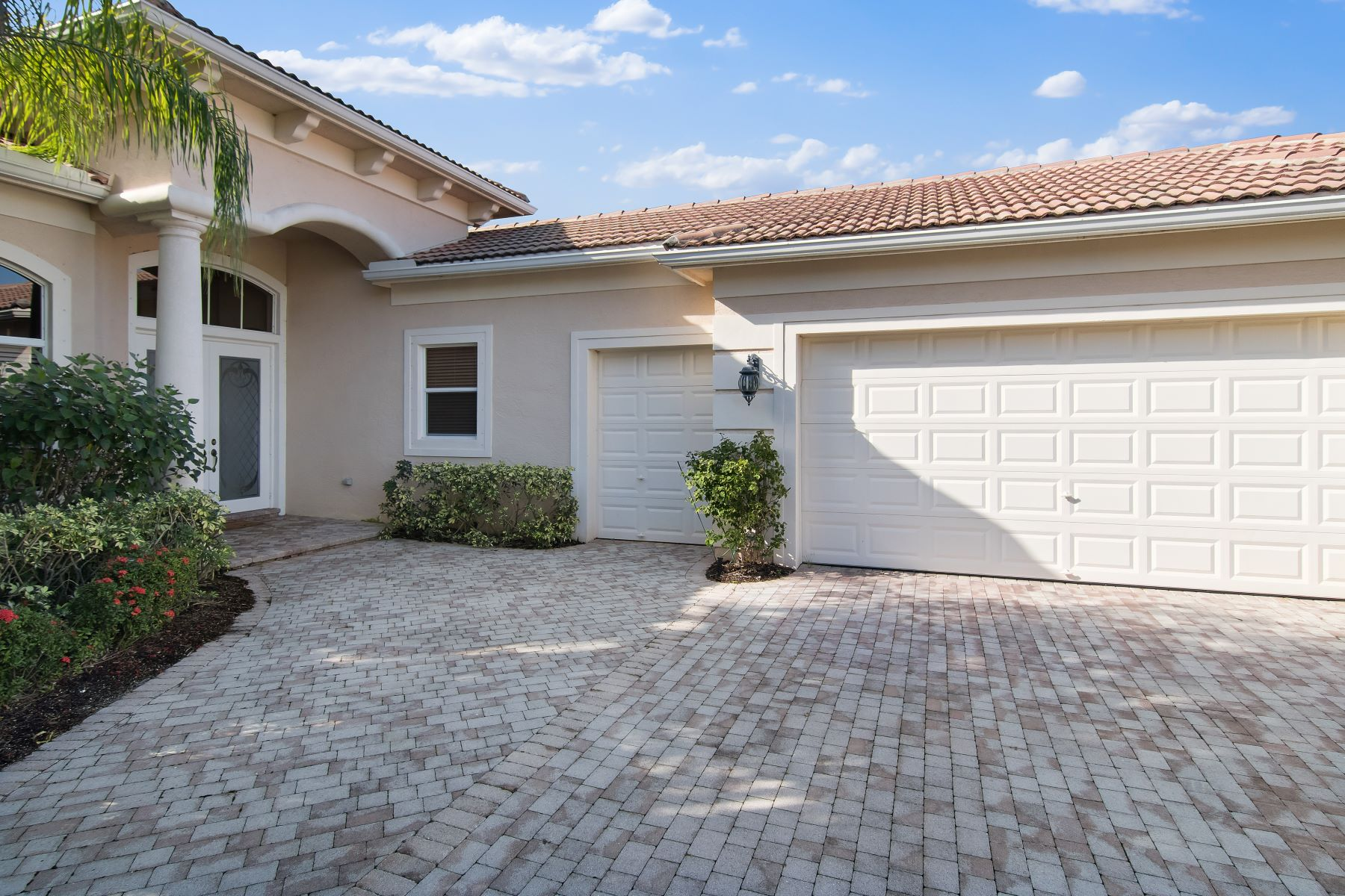 Additional photo for property listing at 128 Porto Vecchio Way 128 Porto Vecchio Way Palm Beach Gardens, Florida 33418 Hoa Kỳ