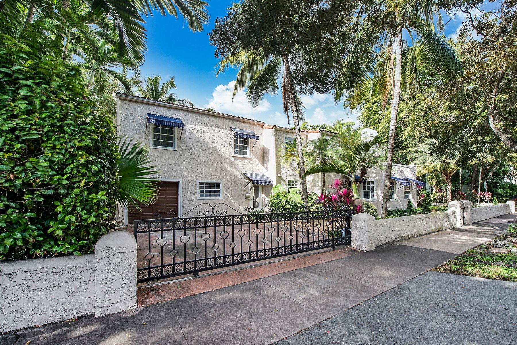 Casa para uma família para Venda às 1222 Cortez Street Coral Gables, Florida, 33134 Estados Unidos