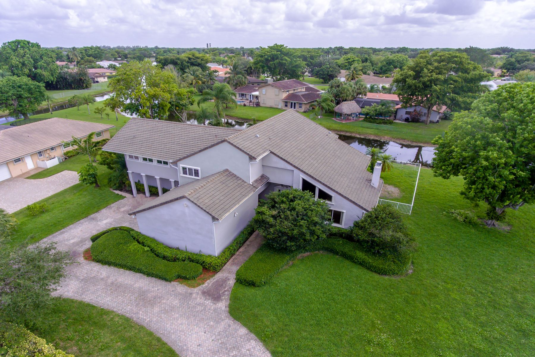 Single Family Home for Sale at 2600 Nw 112th Ave Coral Springs, Florida 33065 United States