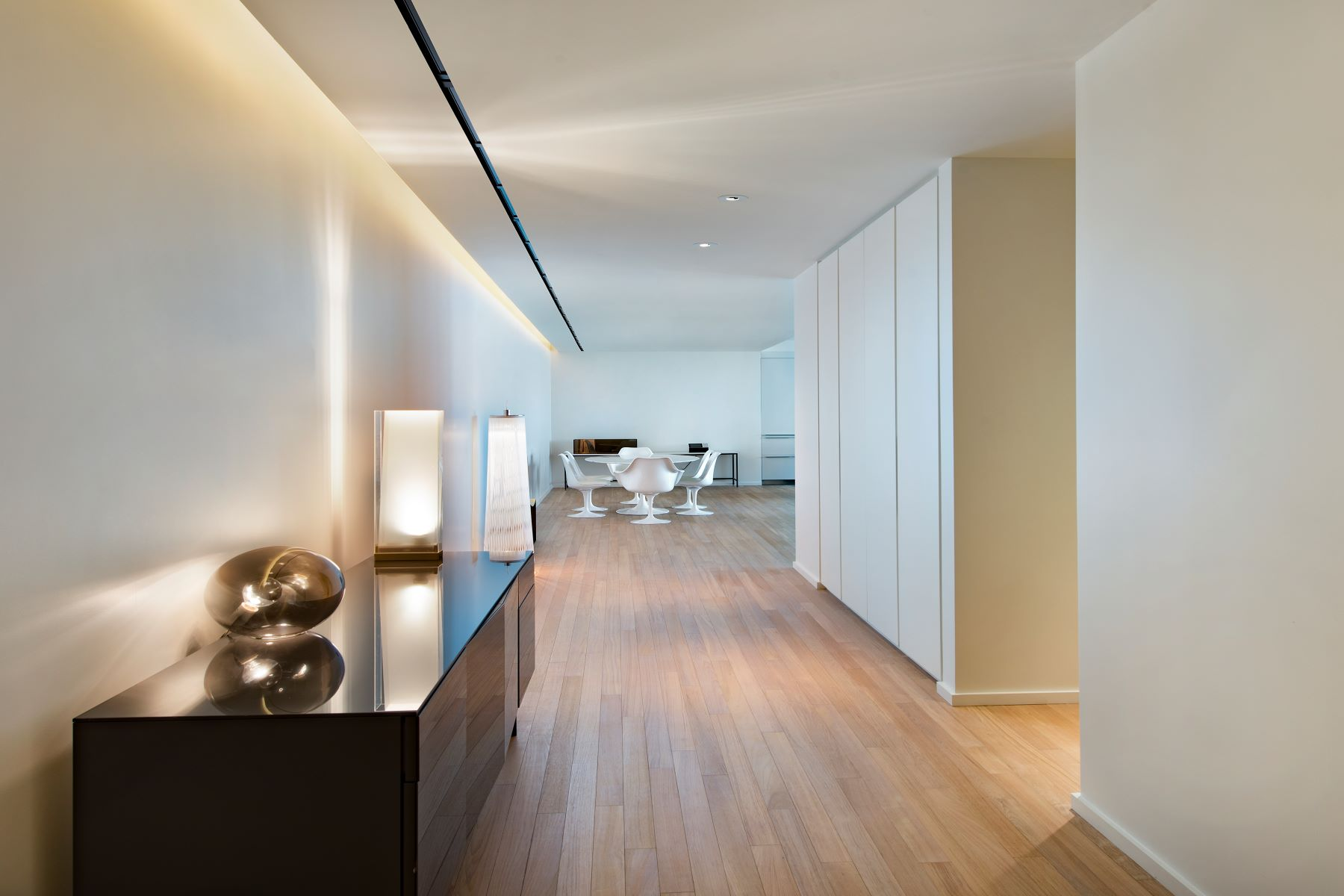 sales property at 2901 Collins Ave #1001