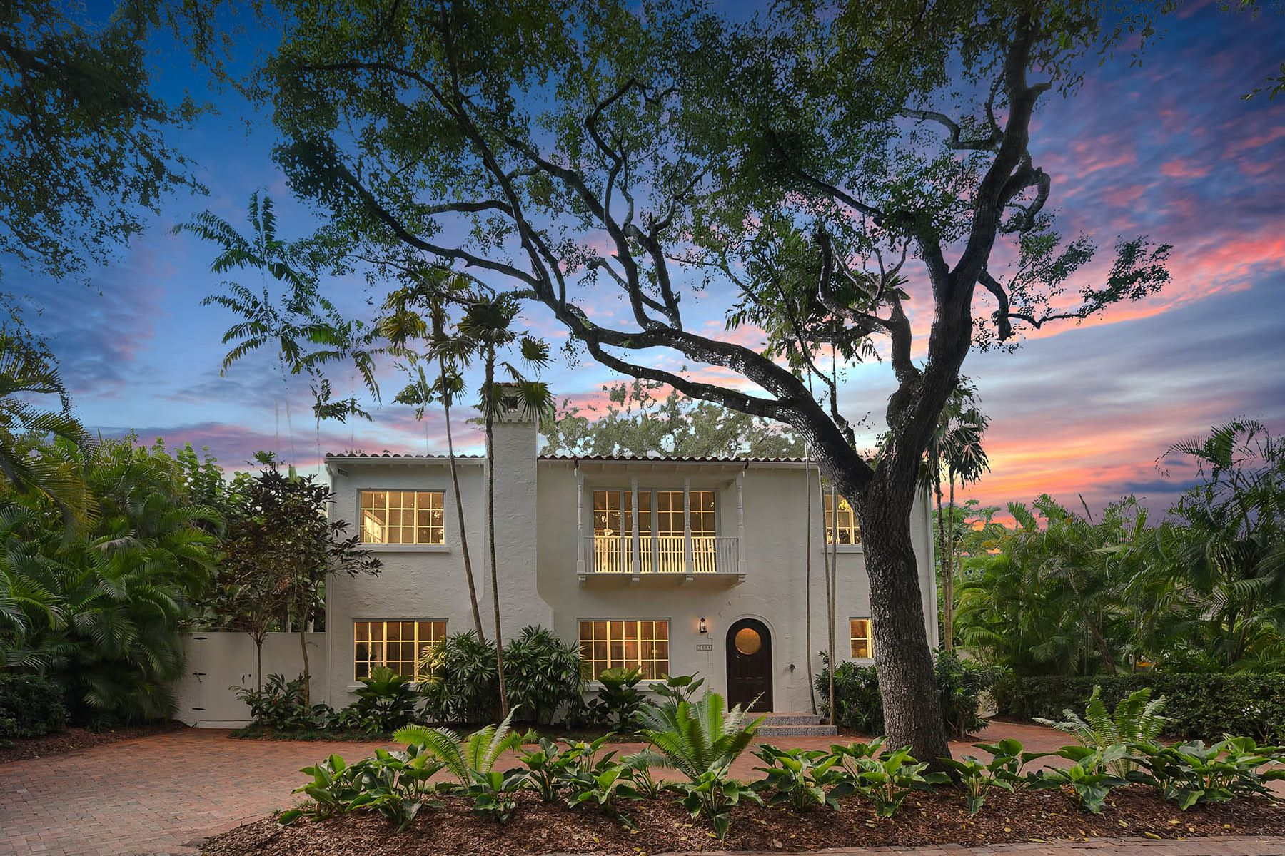 Single Family Homes for Sale at 3614 Bayview Road Coconut Grove, Florida 33133 United States