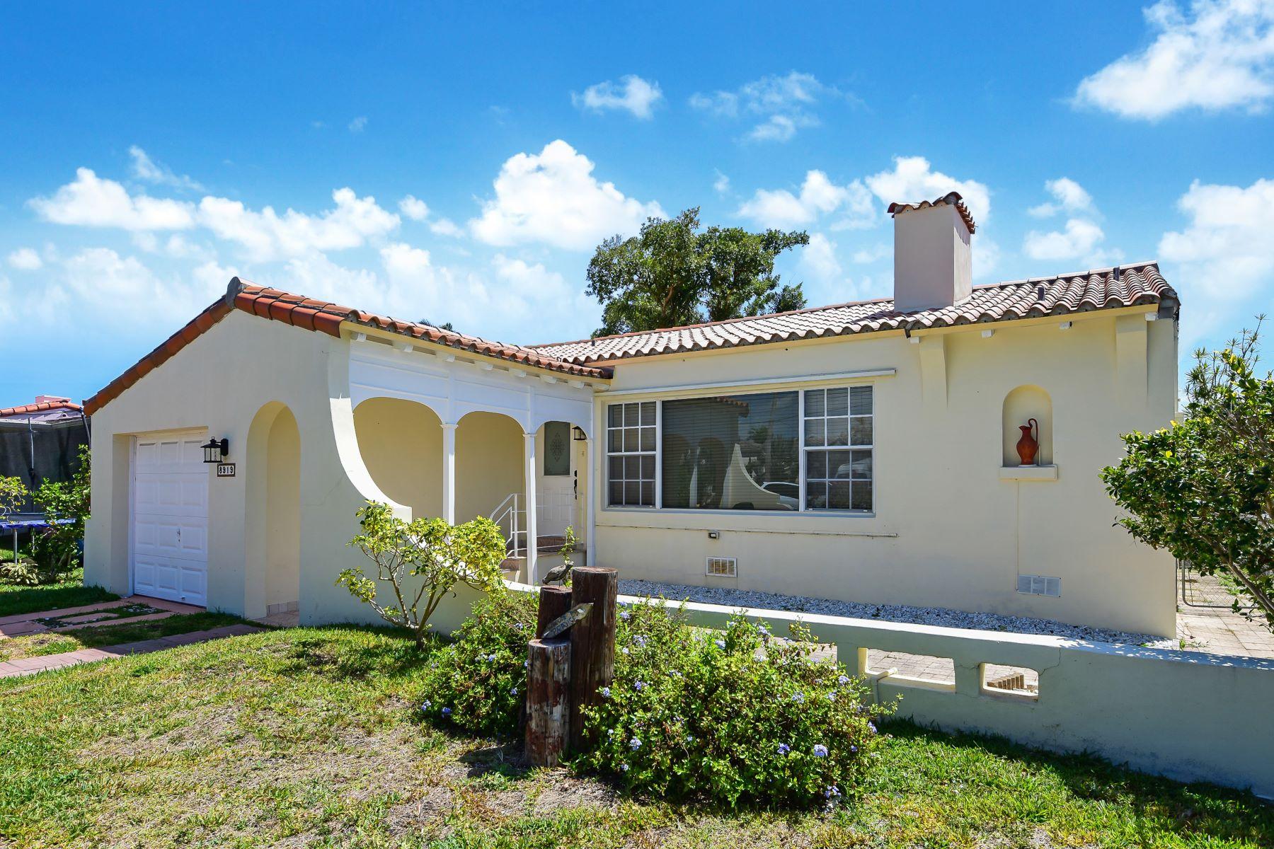 Single Family Homes für Verkauf beim Surfside, Florida 33154 Vereinigte Staaten