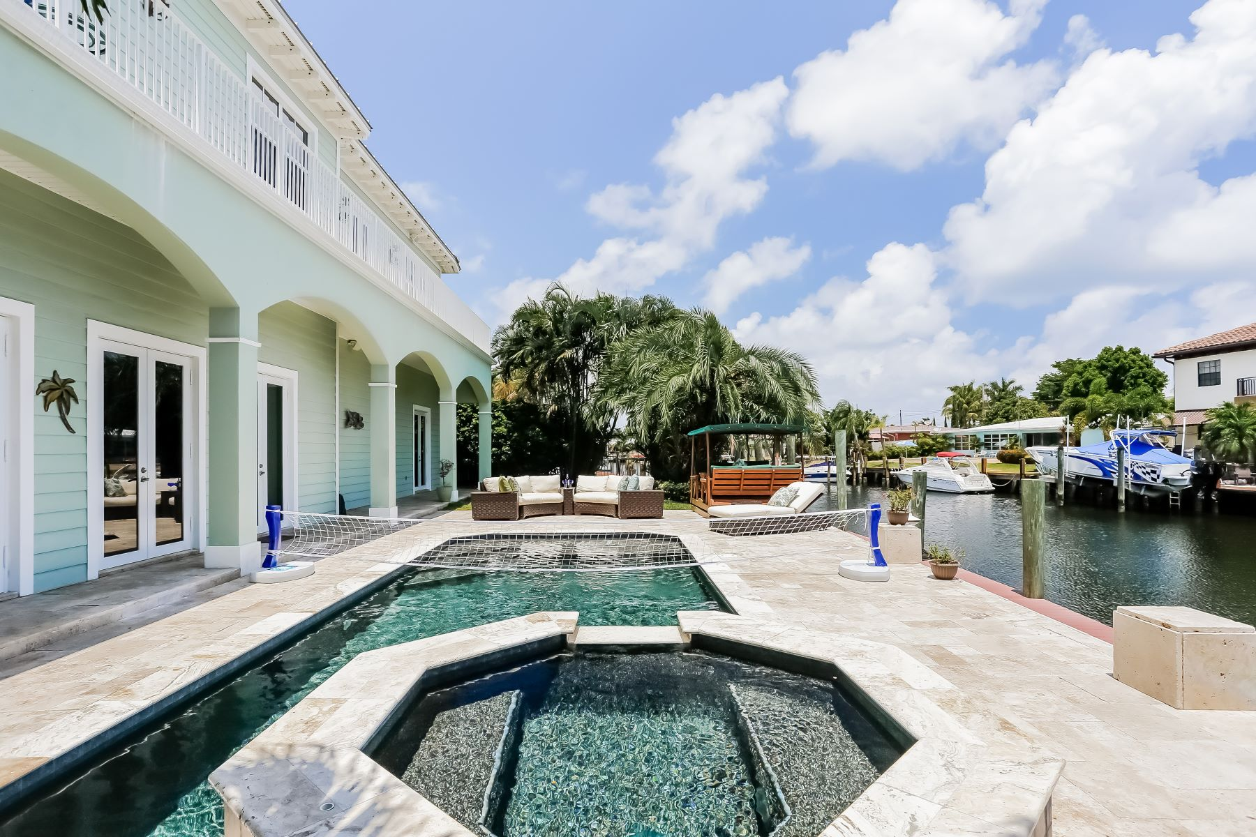 Villa per Vendita alle ore 4920 Ne 27th Ave Lighthouse Point, Florida, 33064 Stati Uniti