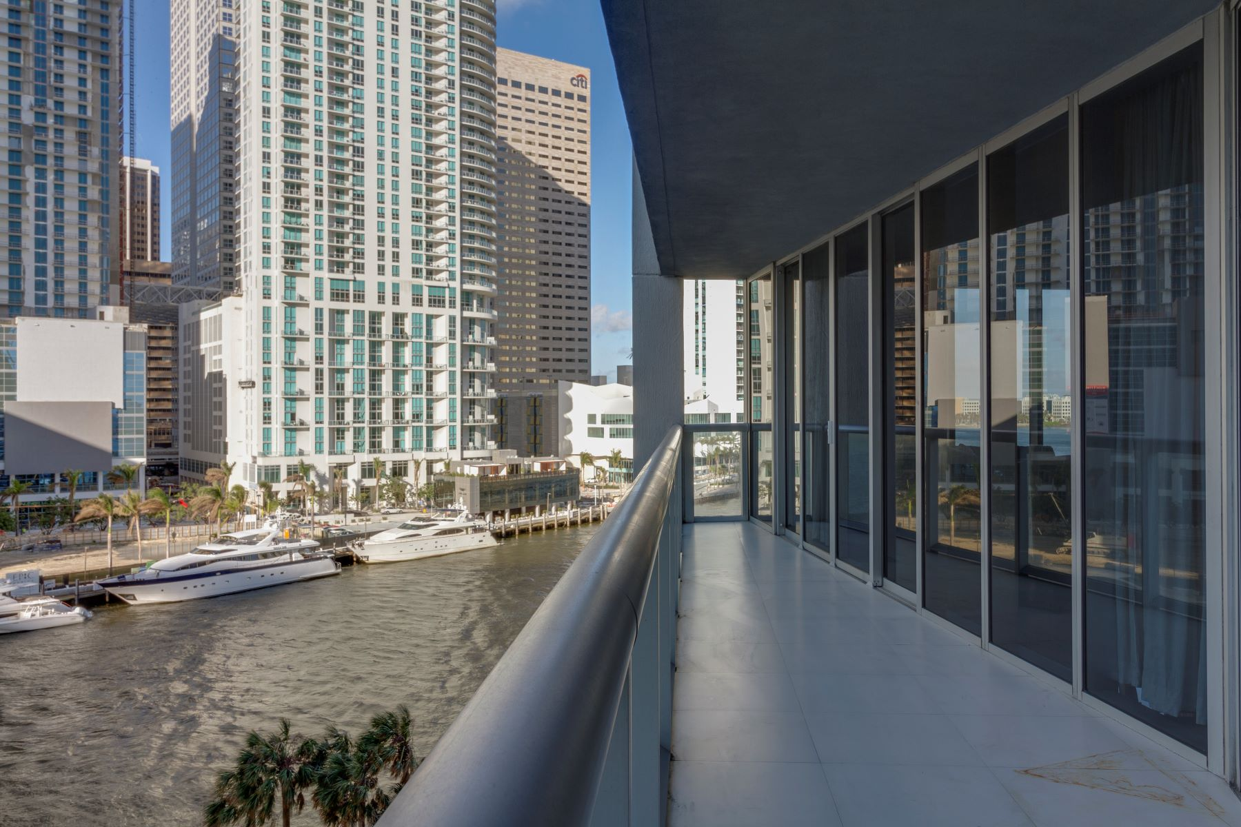 Condominium for Rent at 465 Brickell Ave 465 Brickell Ave 702 Miami, Florida 33131 United States