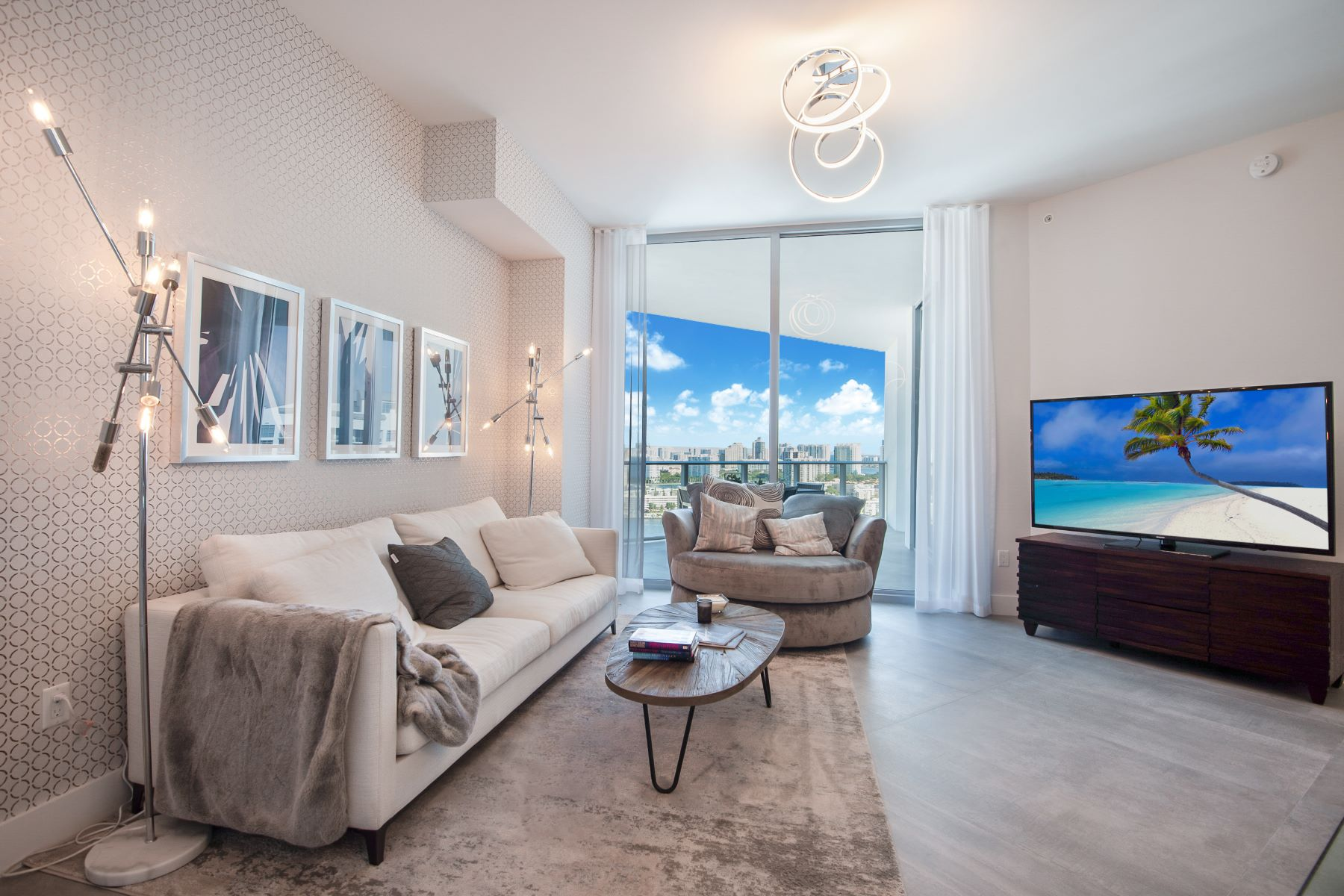 Condominiums for Sale at 17111 Biscayne Blvd PH3 North Miami Beach, Florida 33160 United States