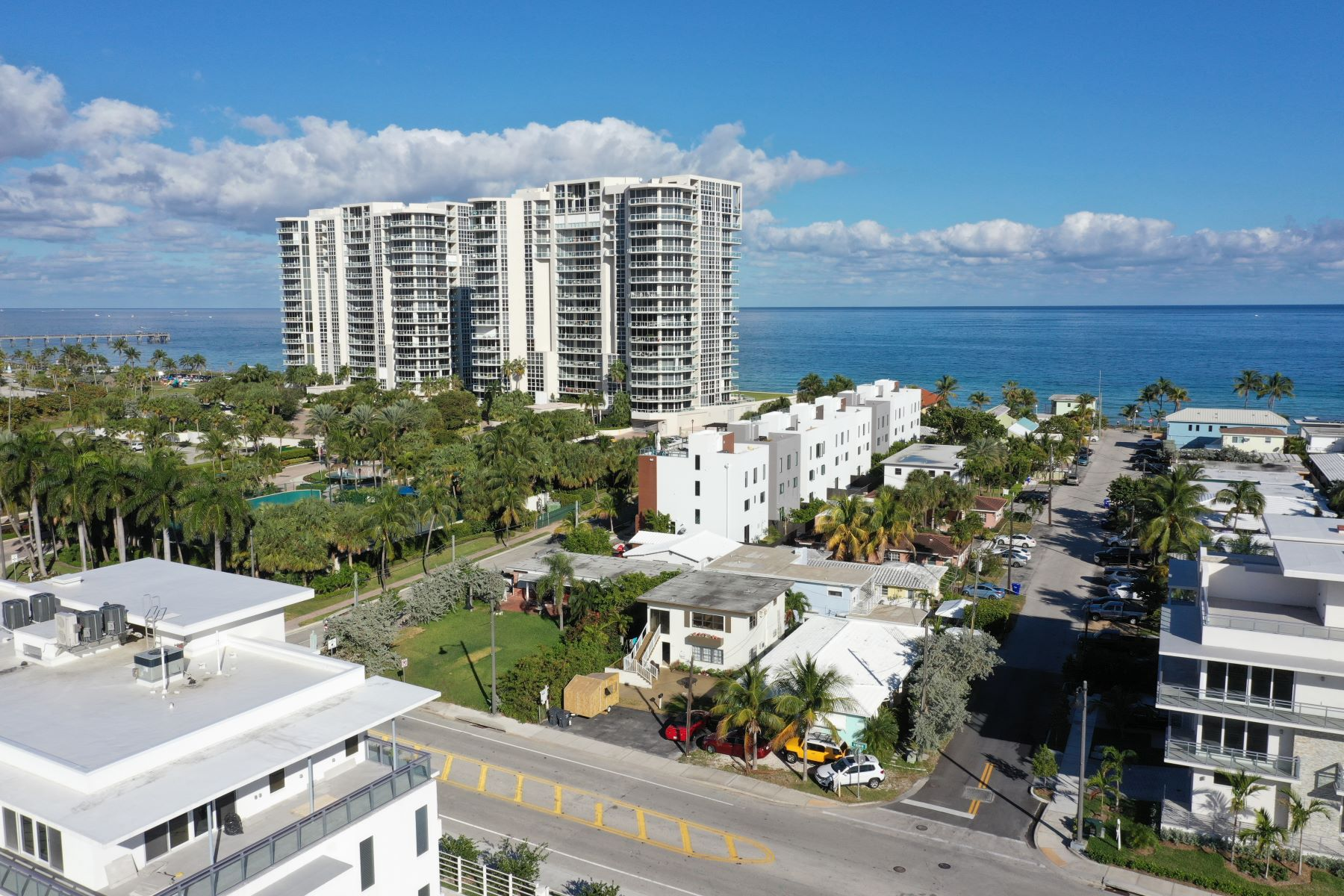 Duplex Homes for Sale at Hollywood, Florida 33019 United States