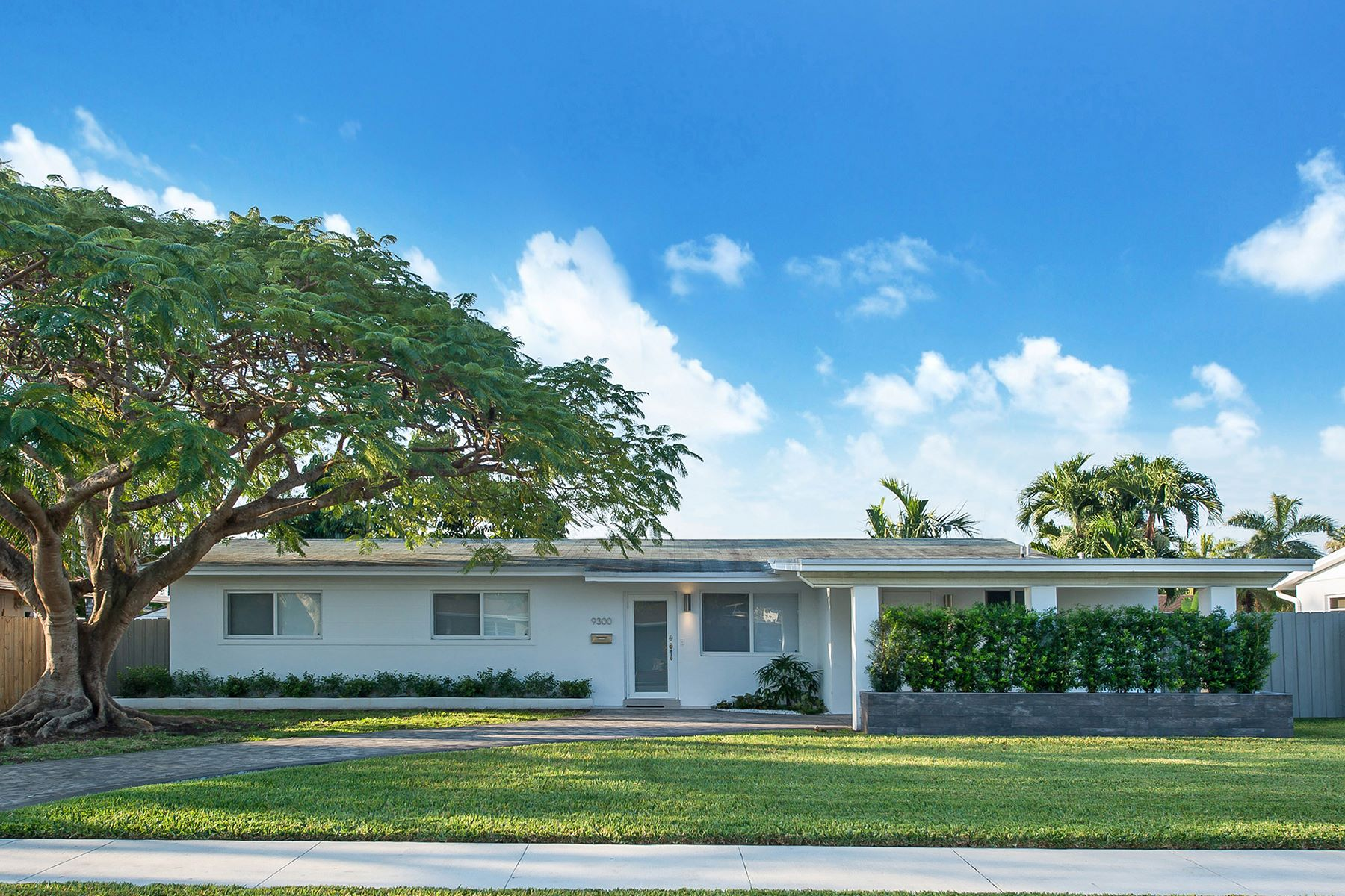 sales property at 9300 Sw 45th Terrace