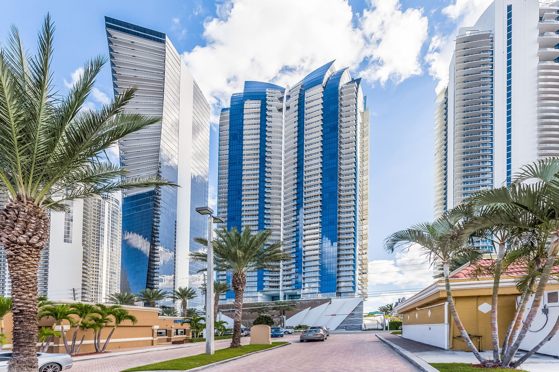 Condominiums for Rent at 17121 Collins Ave #3806 17121 Collins Ave 3806 Sunny Isles Beach, Florida 33160 United States