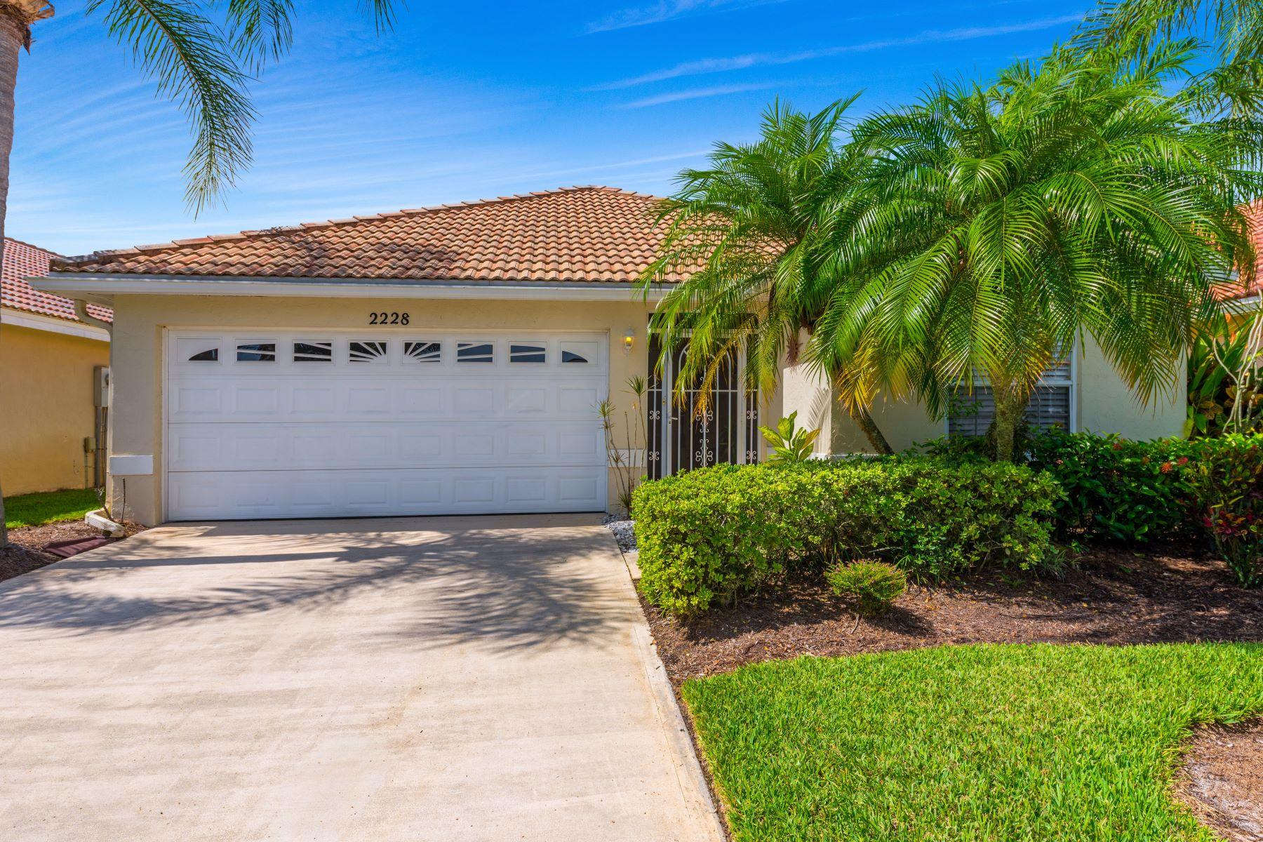 Single Family Homes für Verkauf beim Palm City, Florida 34990 Vereinigte Staaten