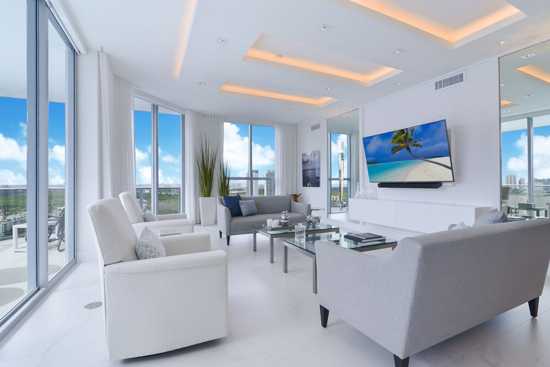 Condominiums for Sale at 17111 Biscayne Blvd LPH10 North Miami Beach, Florida 33160 United States