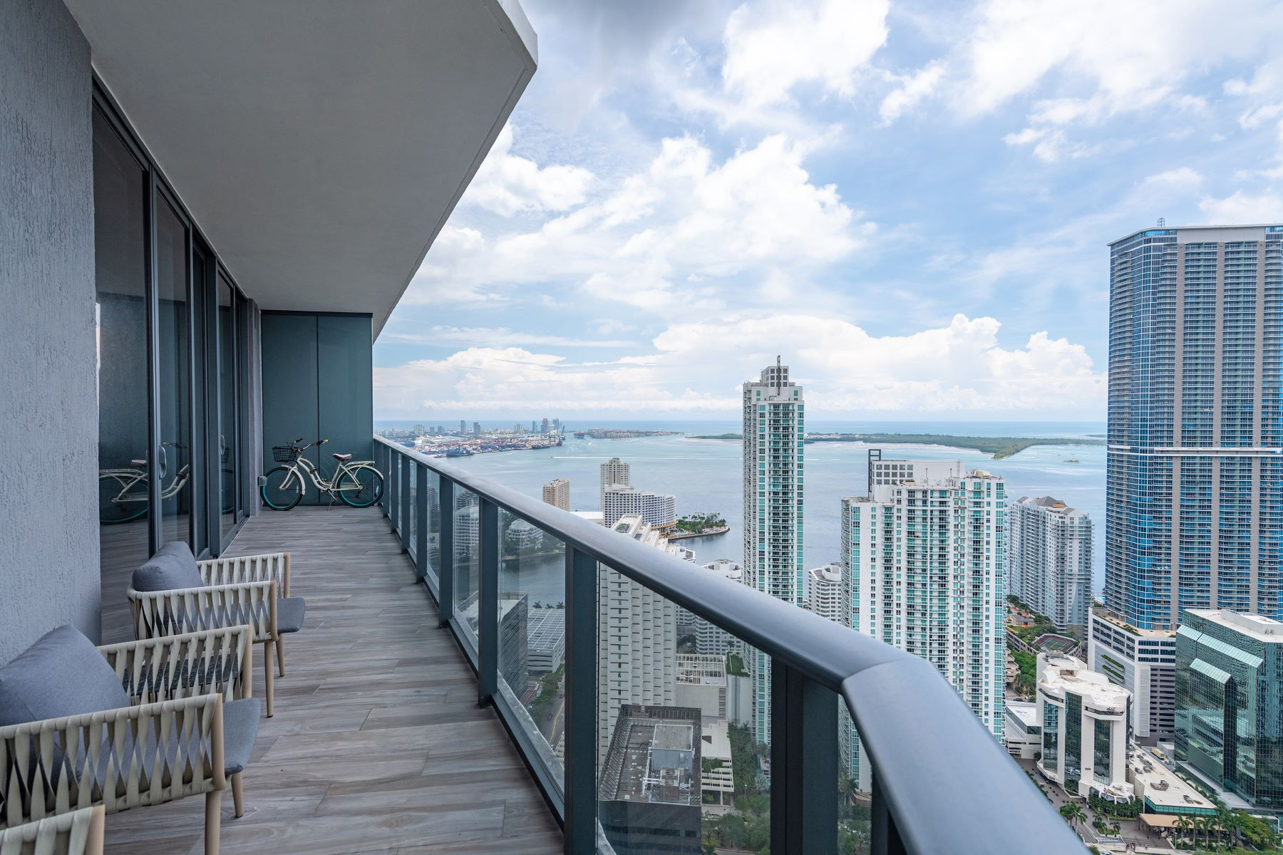 Condominiums for Rent at 801 S Miami Ave 5102 Miami, Florida 33130 United States