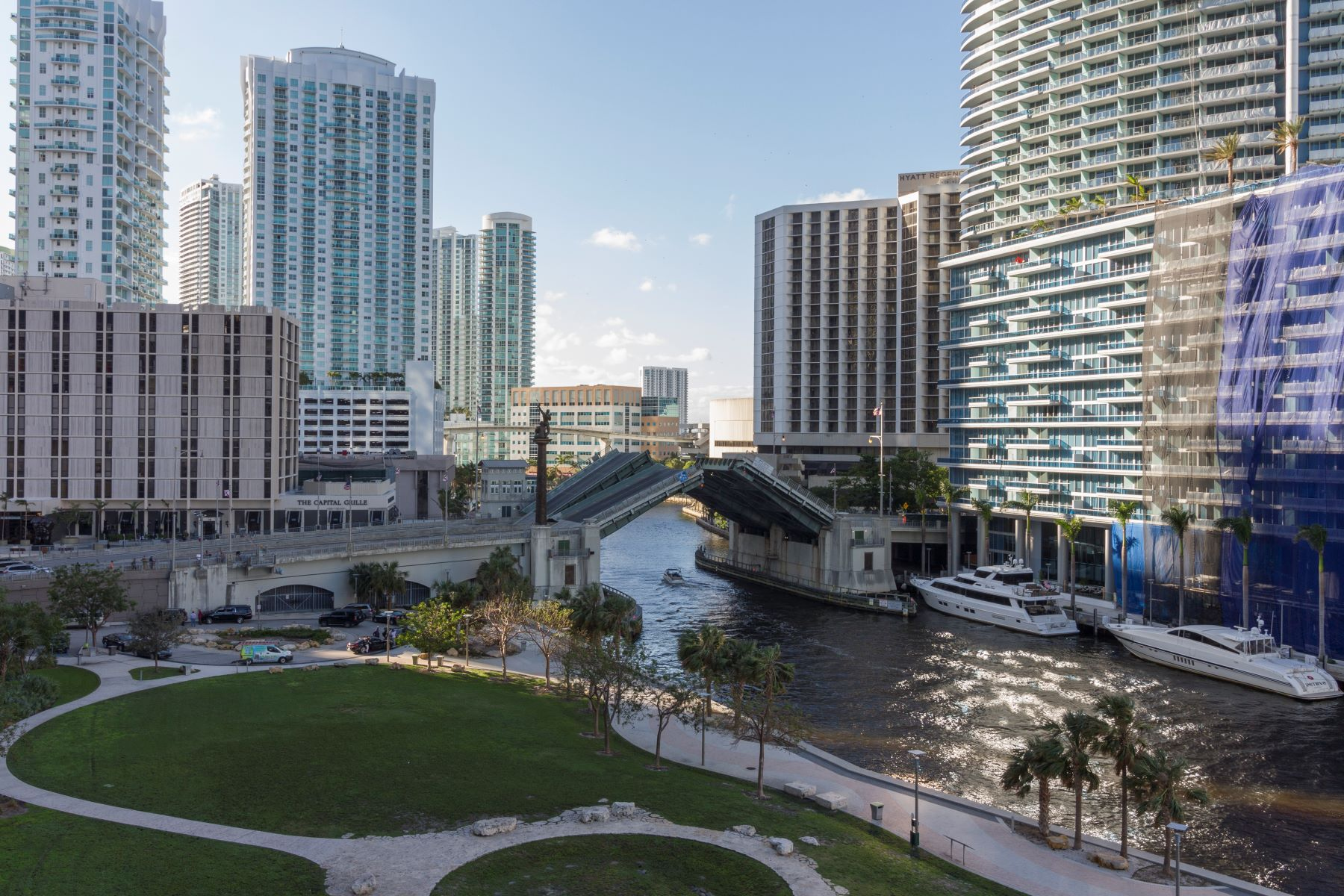 Additional photo for property listing at 465 Brickell Ave 465 Brickell Ave 702 Miami, Florida 33131 United States