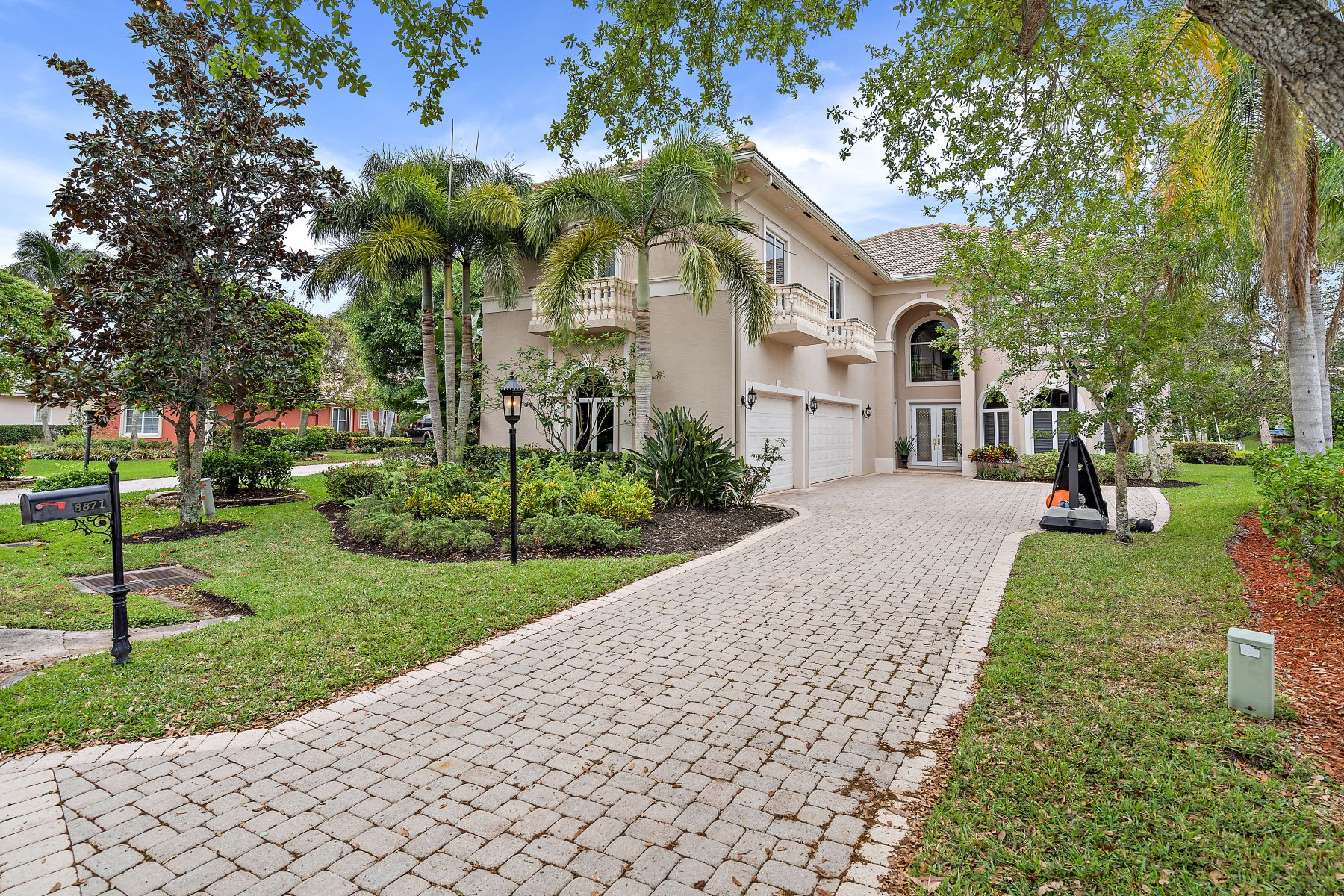 Single Family Homes for Active at 8871 Se Compass Island Way Jupiter, Florida 33458 United States
