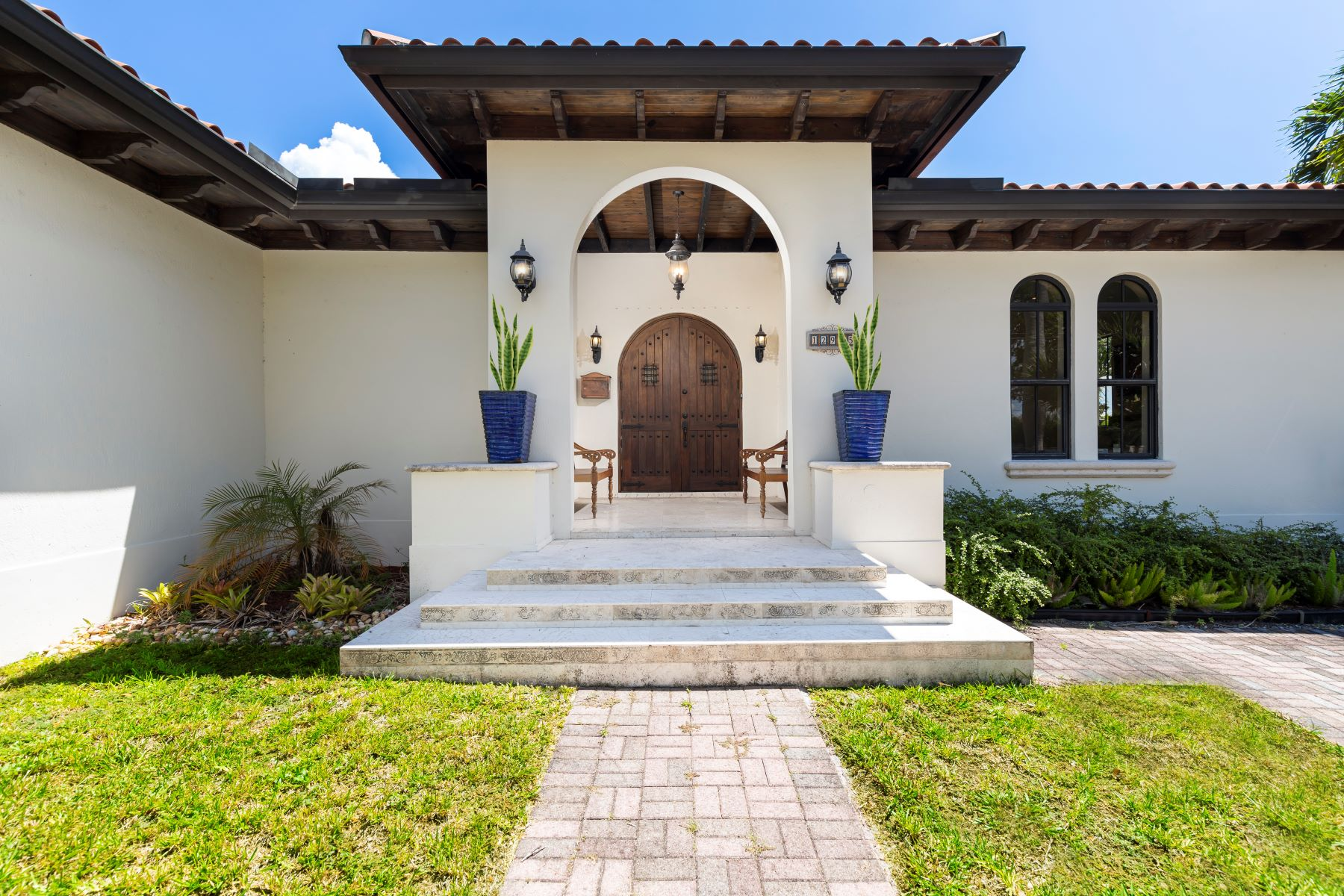 Single Family Homes for Sale at North Miami, Florida 33181 United States