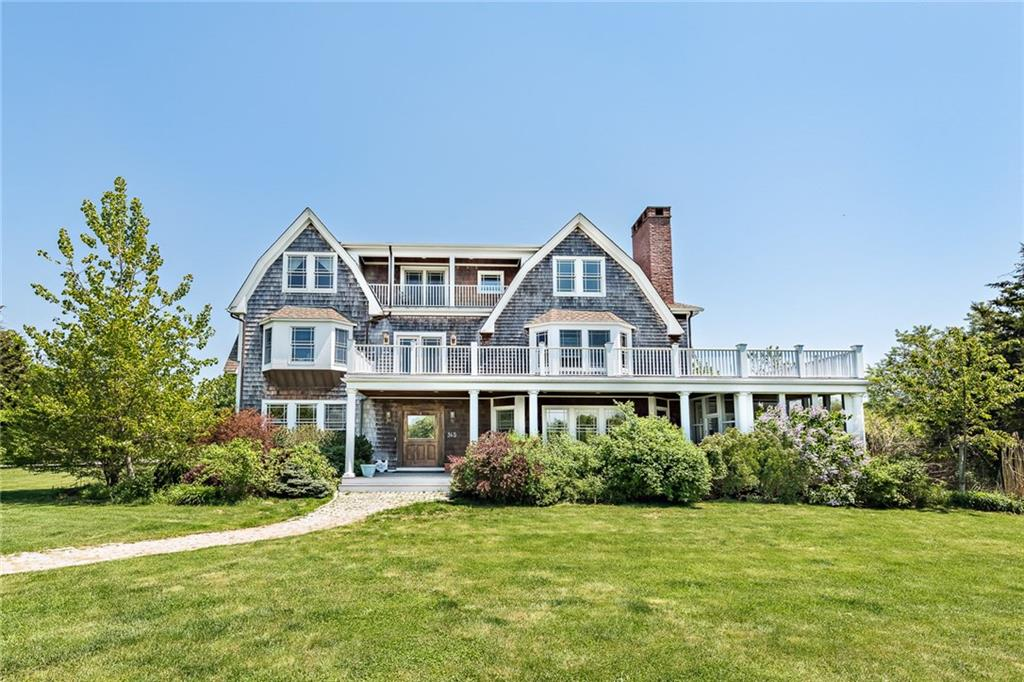 Single Family Homes for Sale at 365 Boston Neck Rd., Narragansett, RI 365 Boston Neck Rd. Narragansett, Rhode Island 02882 United States