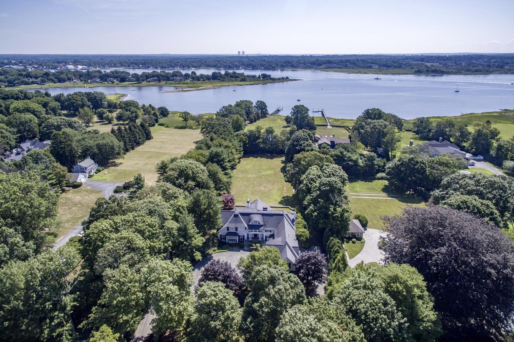 独户住宅 为 销售 在 294 Rumstick Rd, Barrington, RI 巴灵顿, 罗得岛, 02806 美国