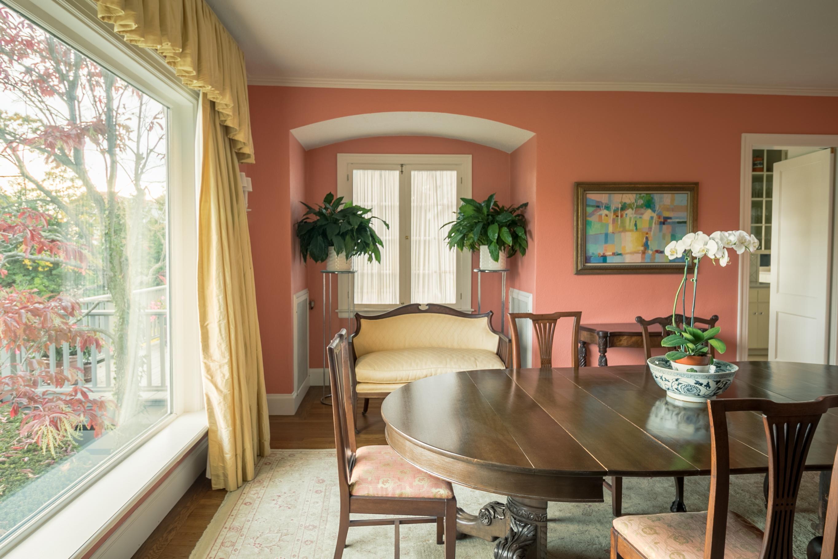 Additional photo for property listing at 129 Nayatt Rd, Barrington, RI  Barrington, Rhode Island 02806 United States