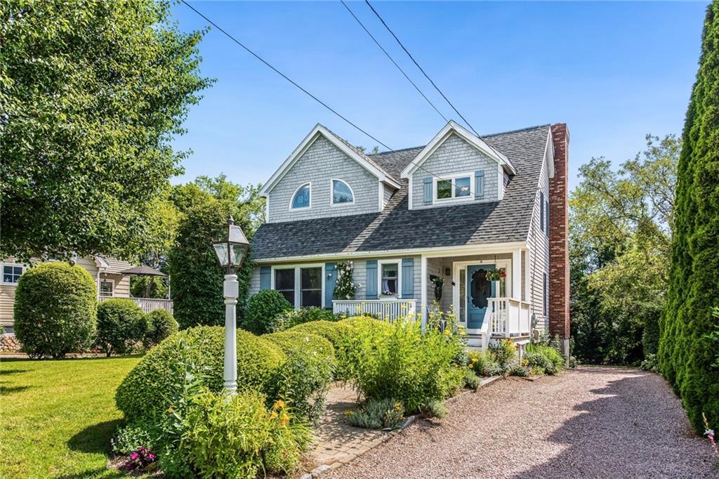 Single Family Homes للـ Sale في 18 West Niantic St., Charlestown, RI Charlestown, Rhode Island 02813 United States