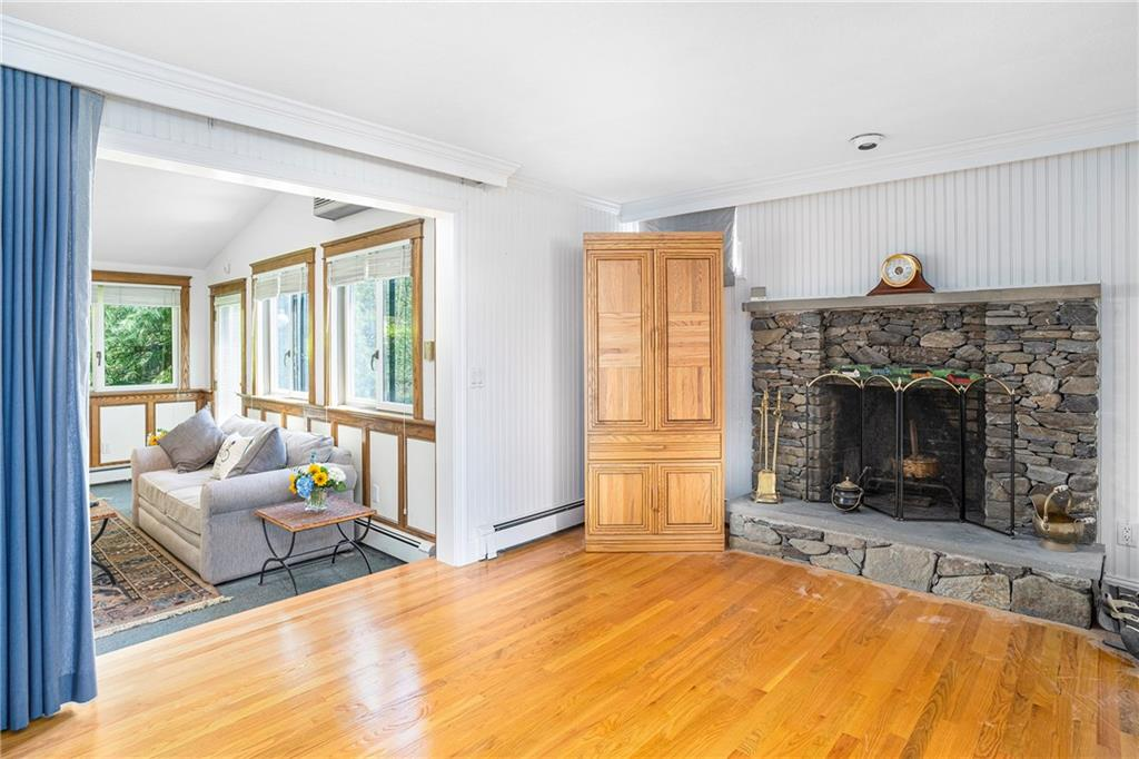 Additional photo for property listing at 409 West Reach Drive, Jamestown, RI 409 West Reach Drive Jamestown, Rhode Island 02835 United States