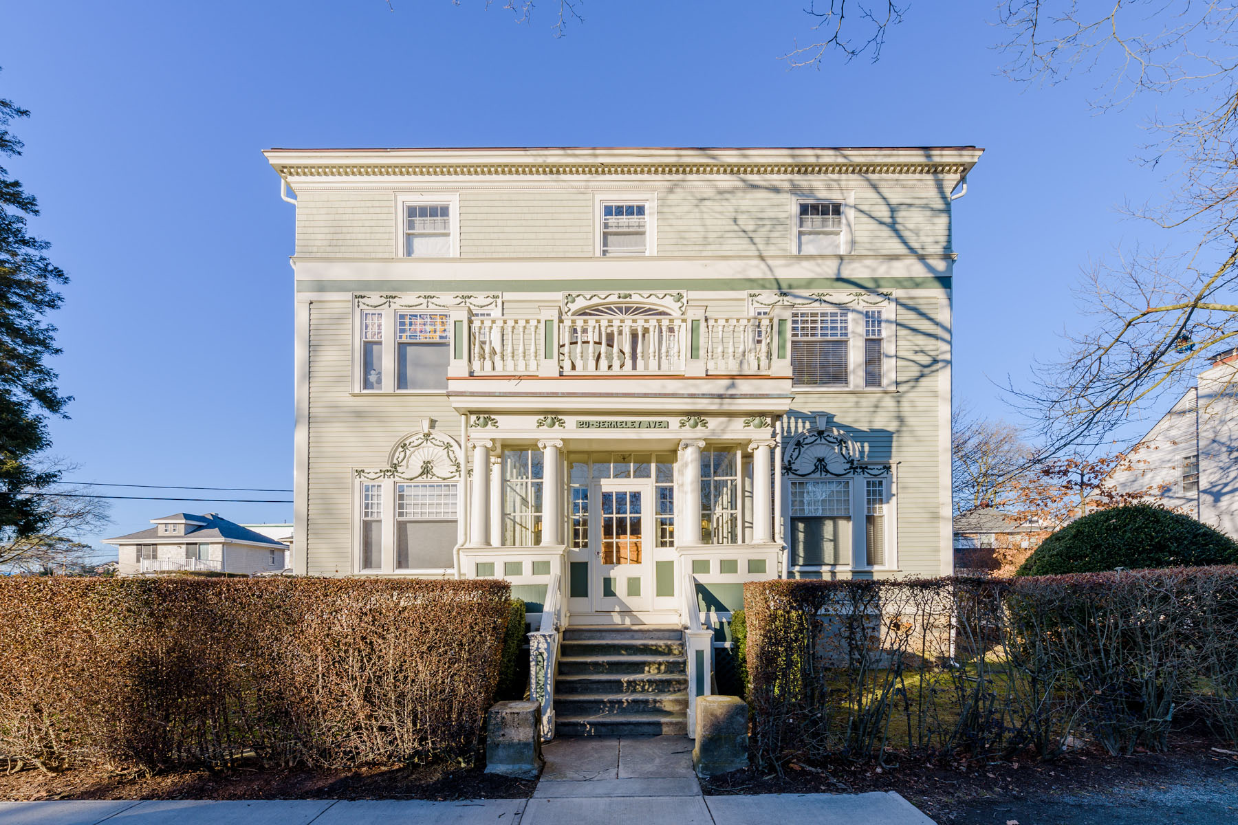 Condominium for Sale at 20 Berkeley Av, #4, Newport, RI 20 Berkeley Av 4 Newport, Rhode Island, 02840 United States