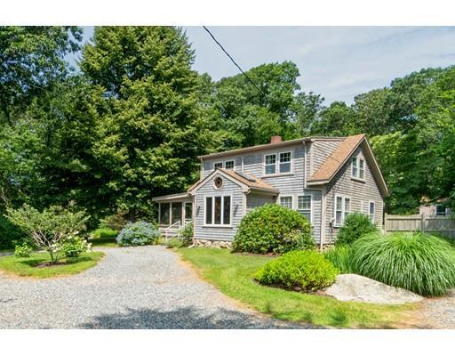 Single Family Homes 为 销售 在 15 Cornell Road, Westport, MA 15 Cornell Road Westport, 马萨诸塞州 02790 美国