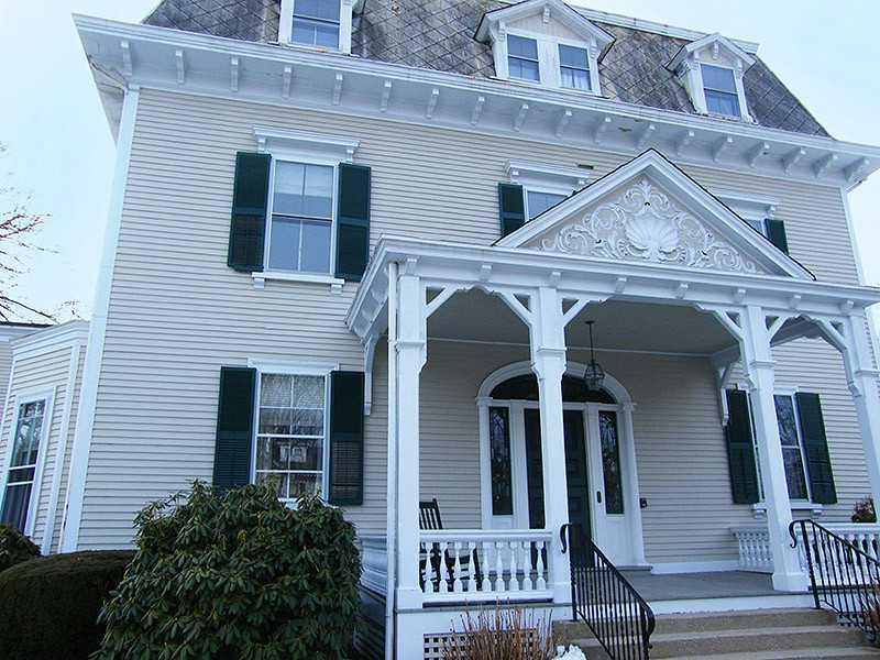 Apartamento por un Alquiler en 1 Red Cross Av, #10, Newport, RI 1 Red Cross Av 10 Newport, Rhode Island 02840 Estados Unidos