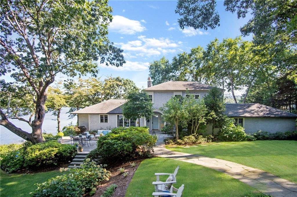 Single Family Homes por un Venta en 970 Gilbert Stuart Road, North Kingstown, RI 970 Gilbert Stuart Road North Kingstown, Rhode Island 02874 Estados Unidos