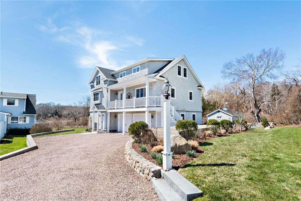 واحد منزل الأسرة للـ Sale في 111 Shady Harbor Dr, Charlestown, RI 111 Shady Harbor Dr Charlestown, Rhode Island 02813 United States