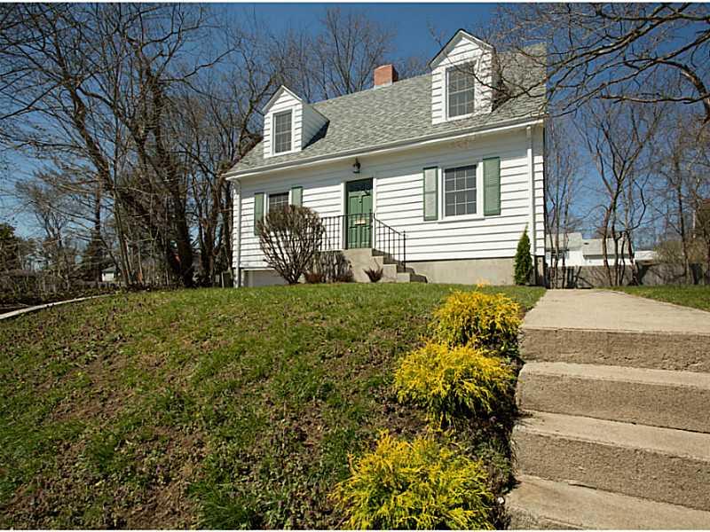 一戸建て のために 売買 アット 41 Columbia Av, Warwick, RI Warwick, ロードアイランド, 02888 アメリカ合衆国