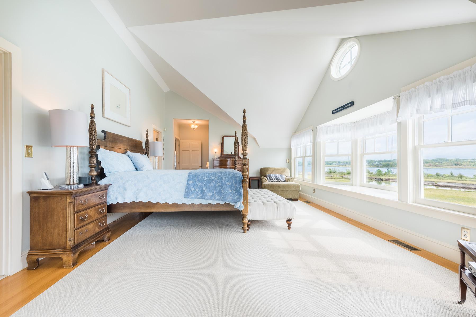 Additional photo for property listing at 24 Stone Tower Lane Barrington, R.I. 02806  Barrington, Rhode Island 02806 United States