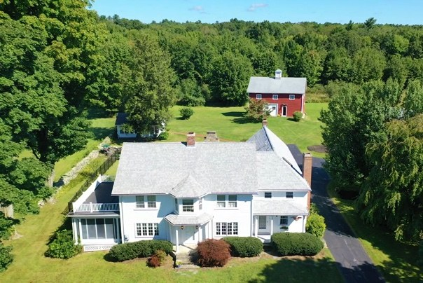 Single Family Homes for Sale at 956 Old Smithfield Road North Smithfield, Rhode Island 02896 United States