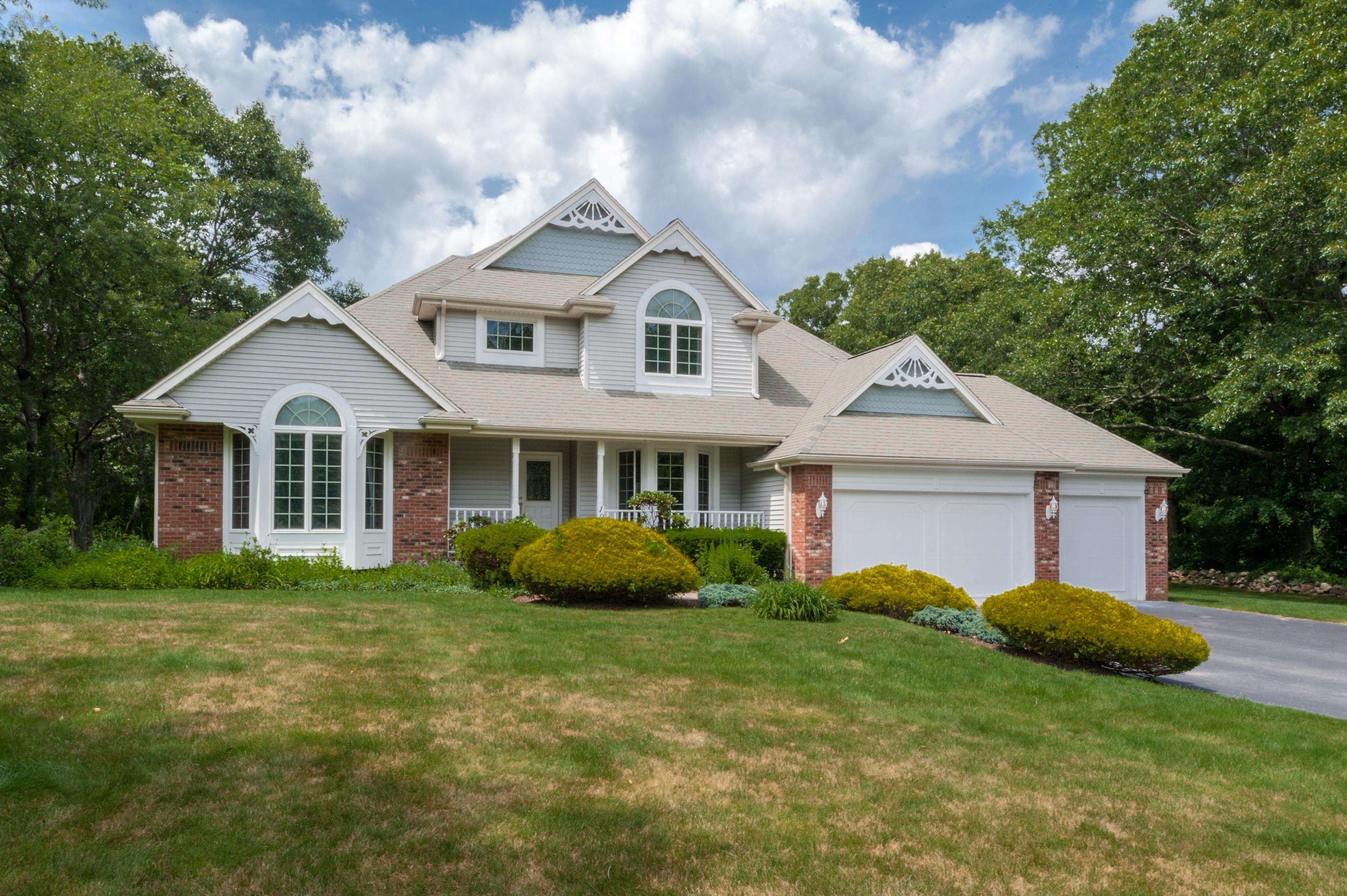 Einfamilienhaus für Verkauf beim 195 Deerfield Dr, East Greenwich, RI East Greenwich, Rhode Island, 02818 Vereinigte Staaten