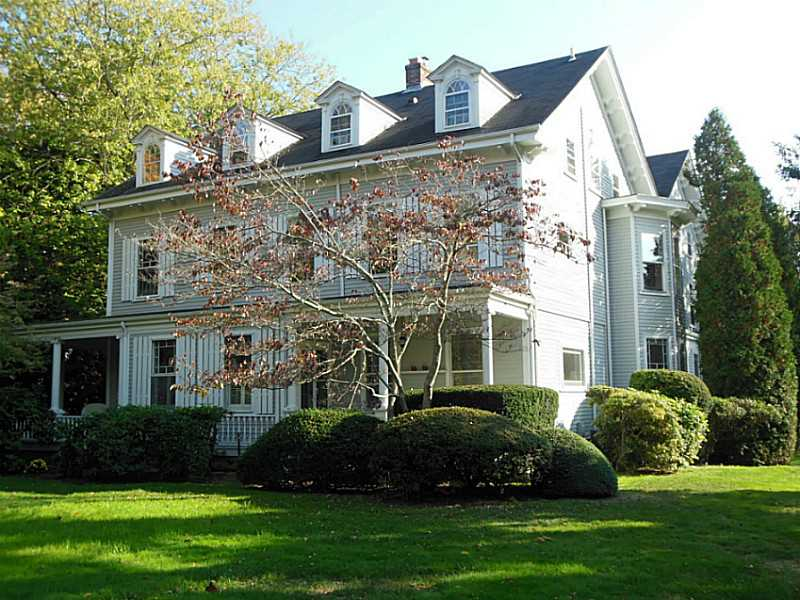 Condominium for Sale at 141 Narragansett Av, #3A, Newport, RI 141 Narragansett Av 3A Newport, Rhode Island, 02840 United States